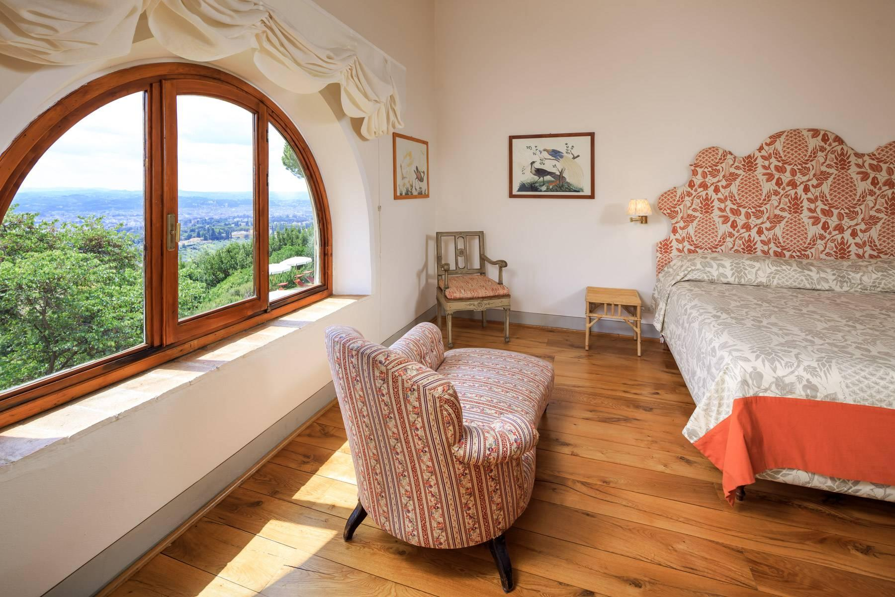 Beautiful villa with heated pool between Florence and Fiesole - 21