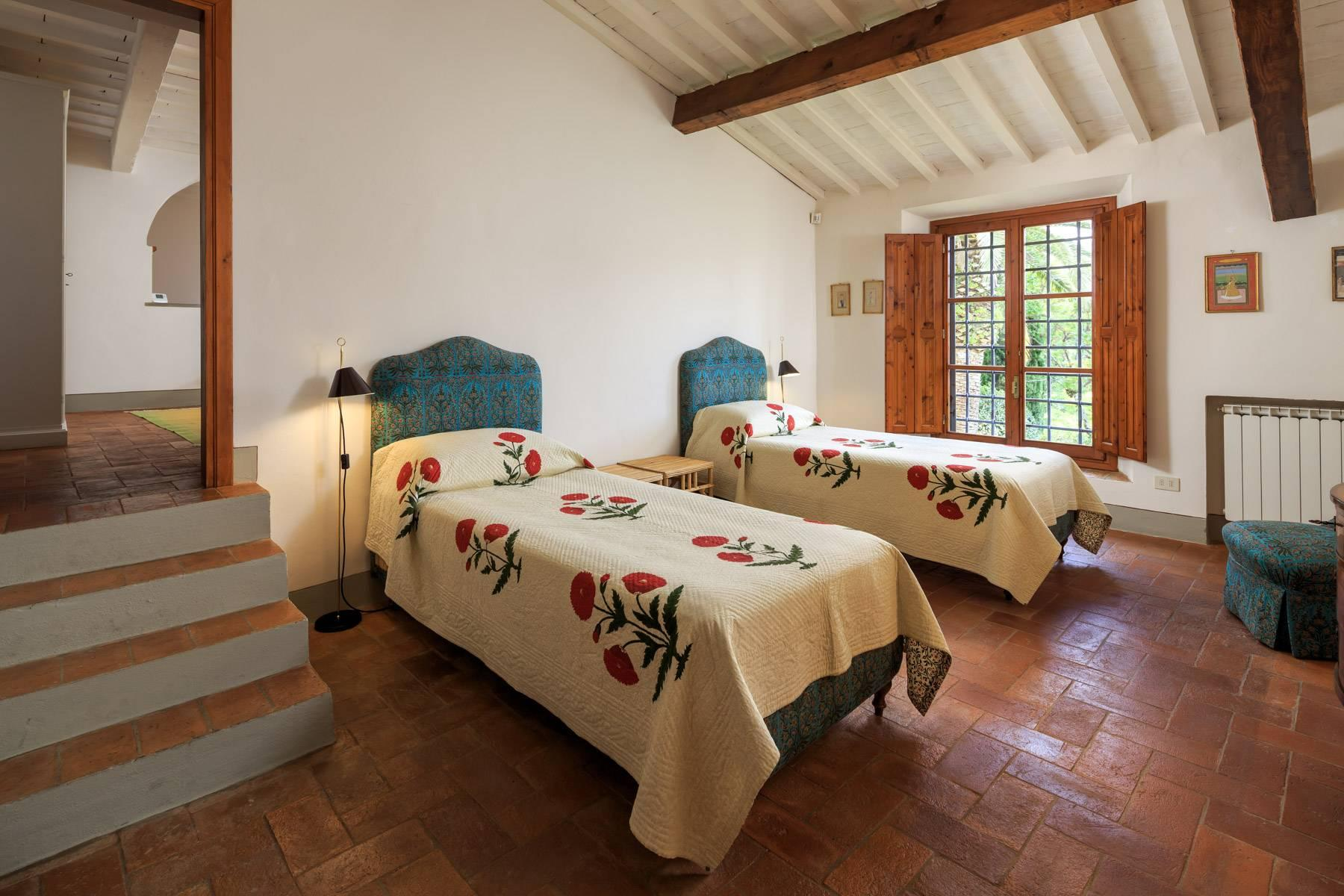Beautiful villa with heated pool between Florence and Fiesole - 27
