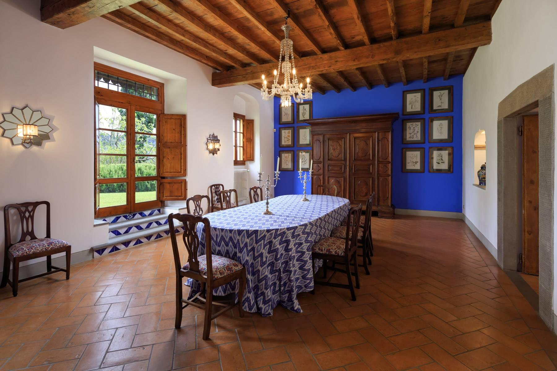 Beautiful villa with heated pool between Florence and Fiesole - 12