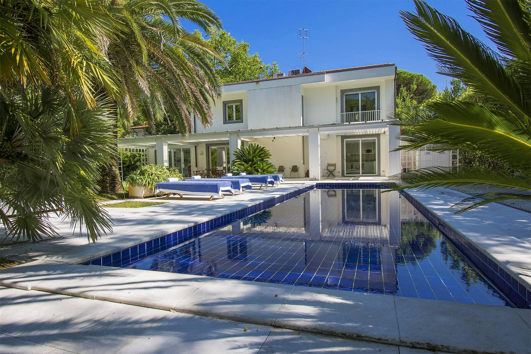 Prestigious Villa in the heart of Forte dei Marmi - 19