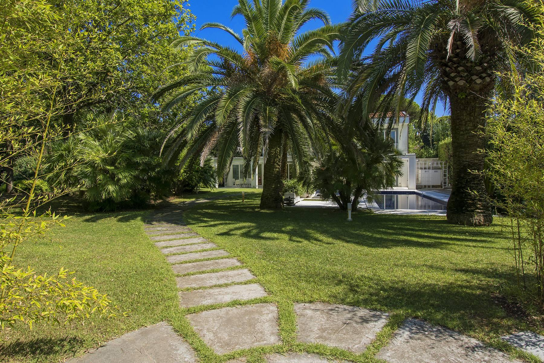 Prestigious Villa in the heart of Forte dei Marmi - 20