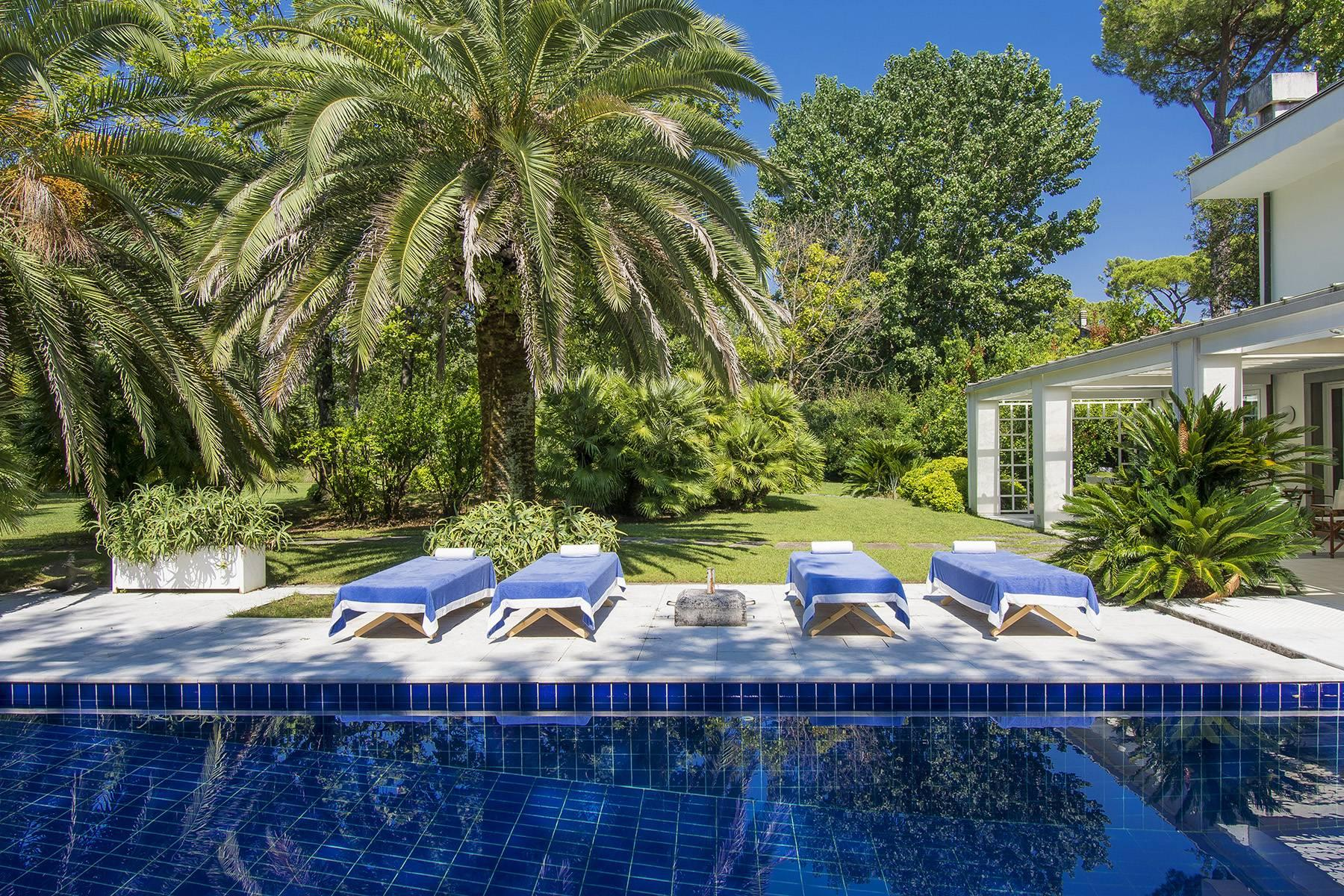 Prestigious Villa in the heart of Forte dei Marmi - 23