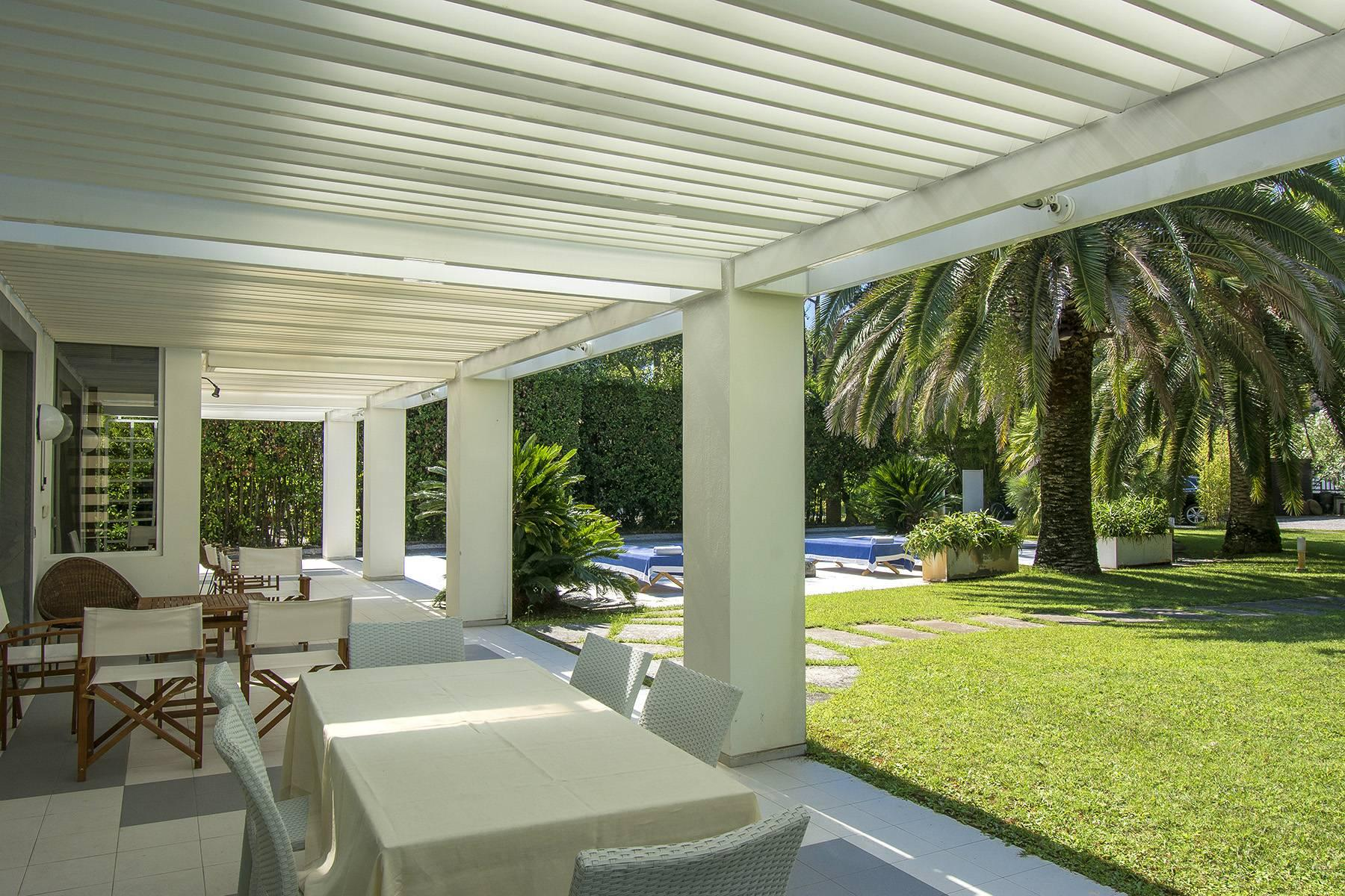 Prestigious Villa in the heart of Forte dei Marmi - 18