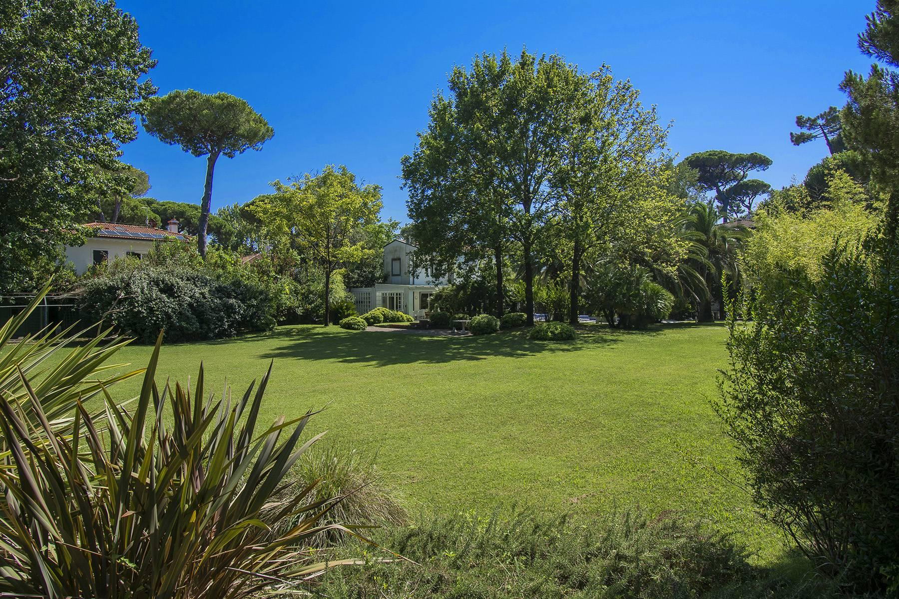 Prestigious Villa in the heart of Forte dei Marmi - 14