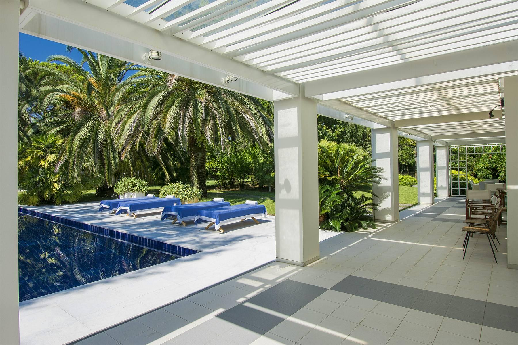 Prestigious Villa in the heart of Forte dei Marmi - 24