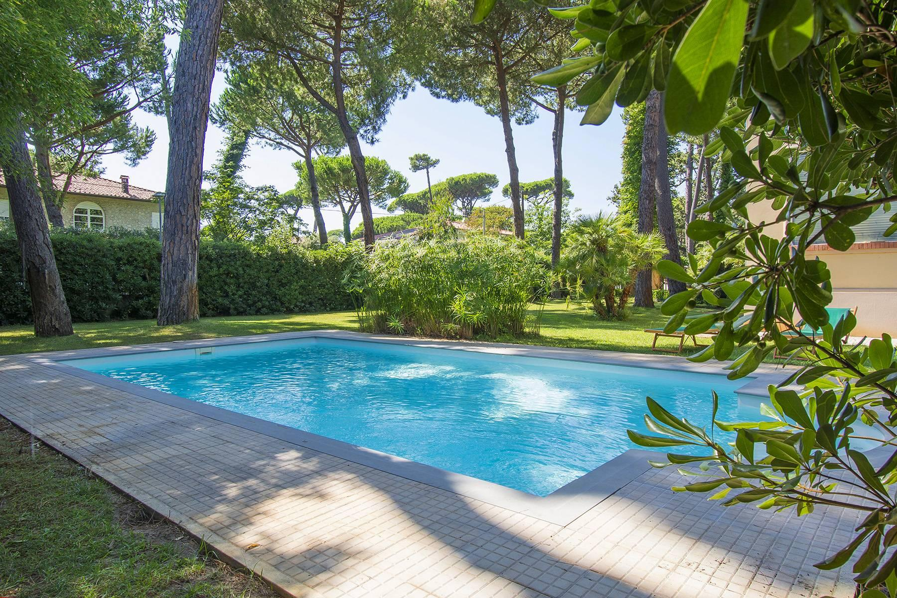 Prestigious Villa in the heart of Forte dei Marmi - 7