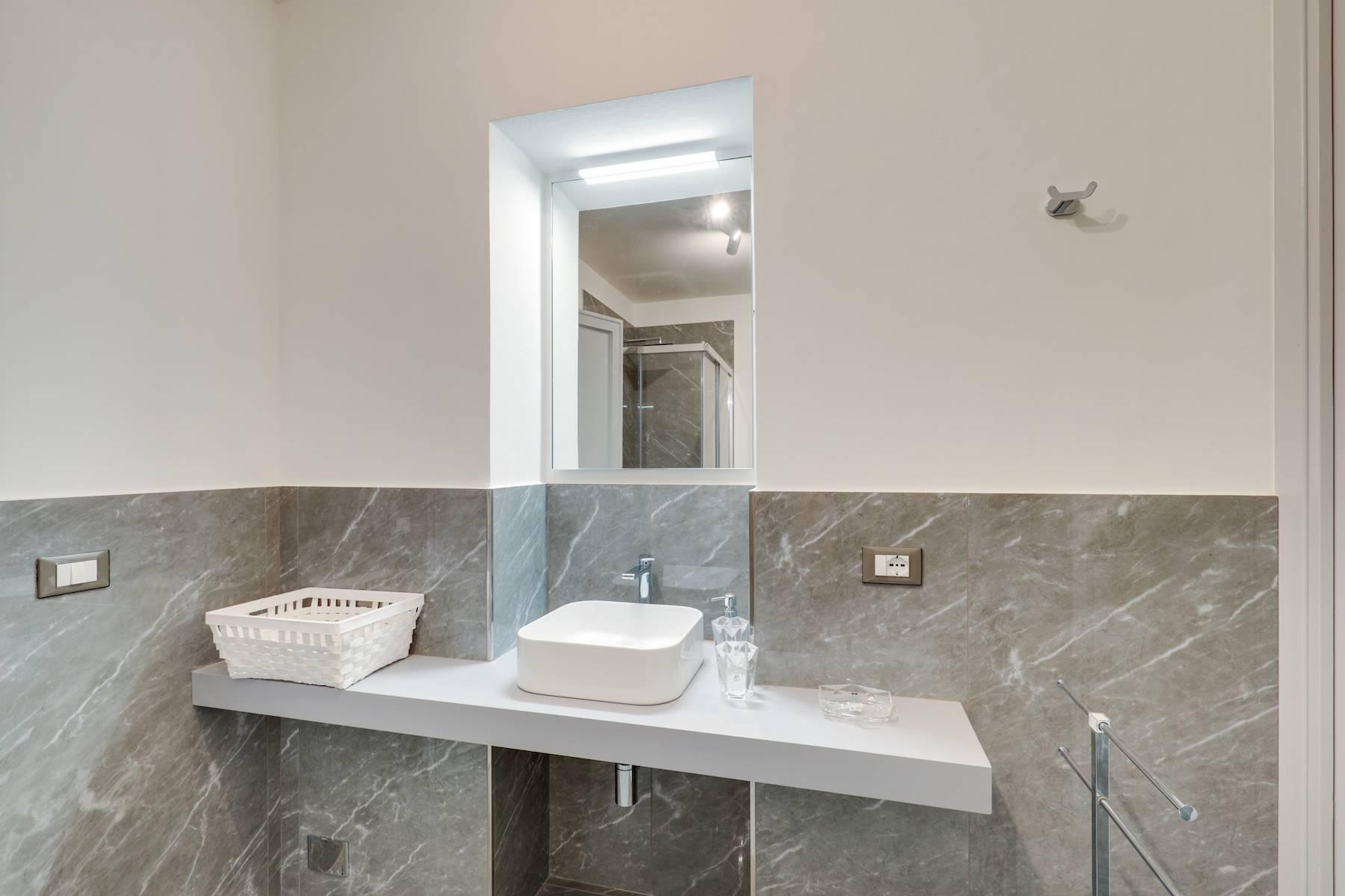 Elegante renovierte Wohnung mit Blick auf das Ponte Vecchio - 16
