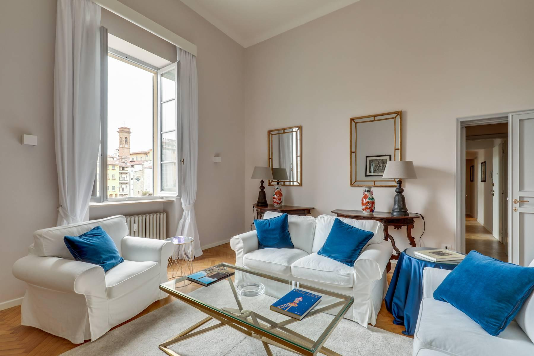 Beautifully renovated apartment overlooking Ponte Vecchio - 4