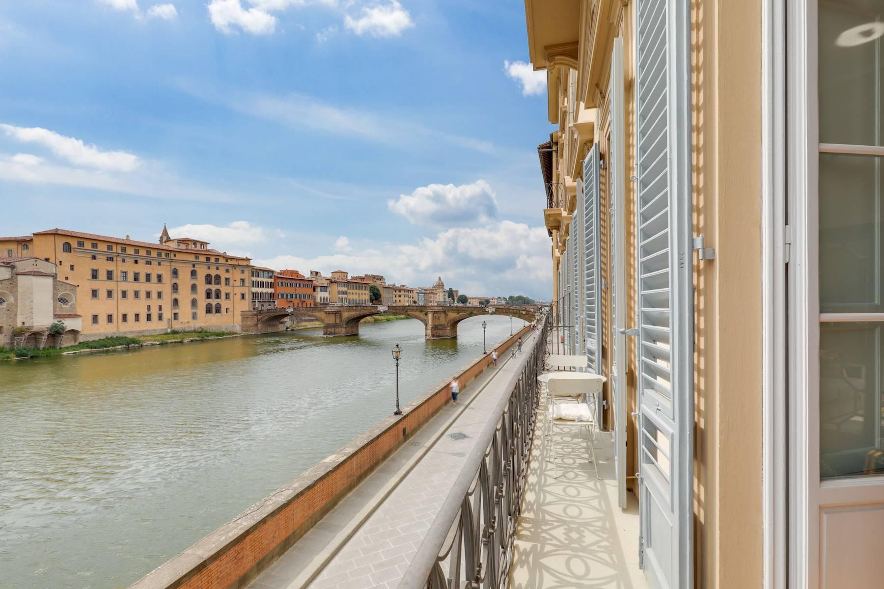 Elegante renovierte Wohnung mit Blick auf das Ponte Vecchio - 14