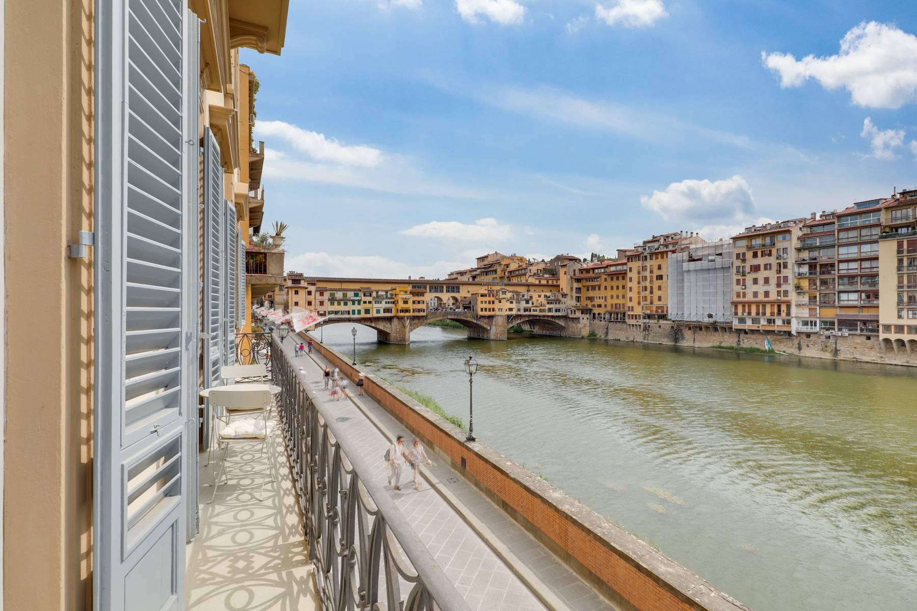 Beautifully renovated apartment overlooking Ponte Vecchio - 1