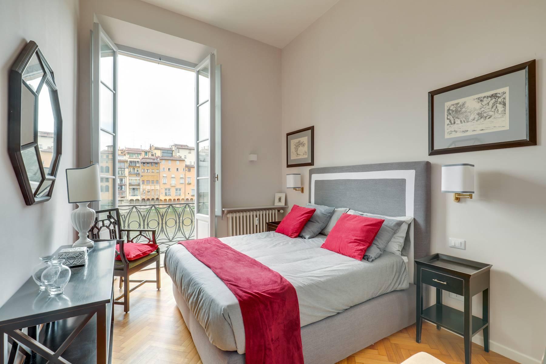 Elegante renovierte Wohnung mit Blick auf das Ponte Vecchio - 10