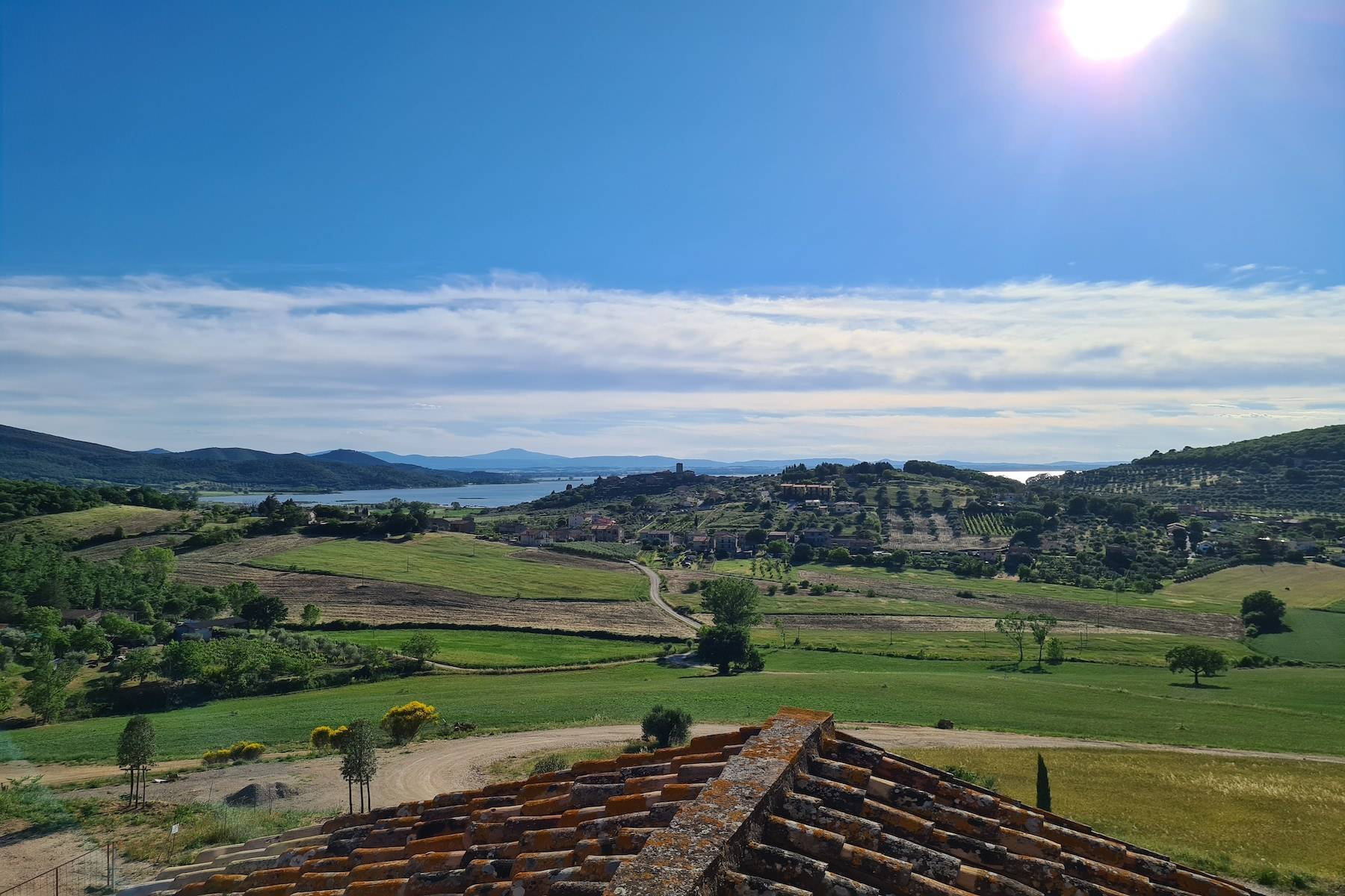 Panoramic farmhouse overlooking the Trasimeno Lake - 13