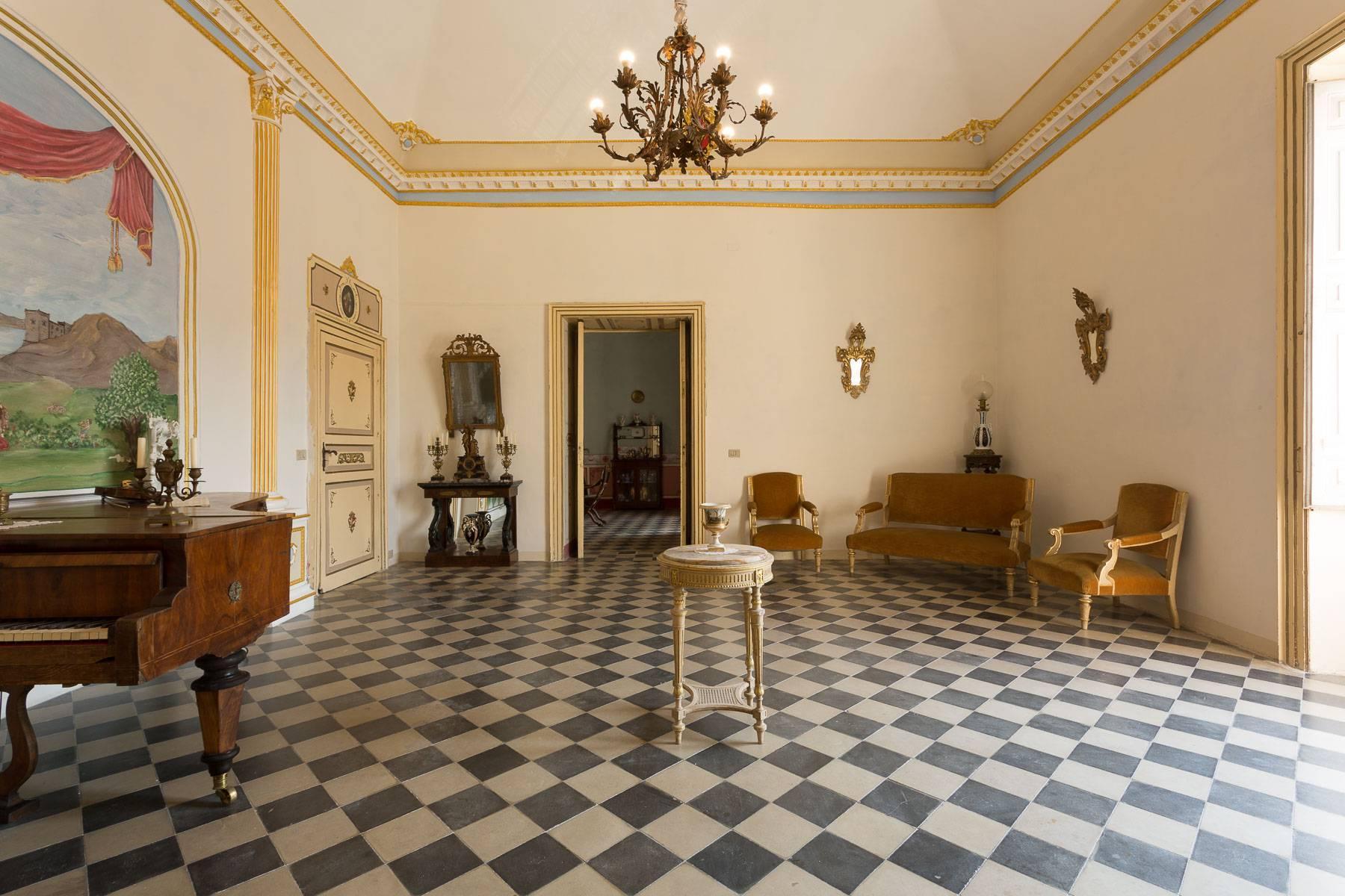 Das aragonesische Schloss in Comiso - 22