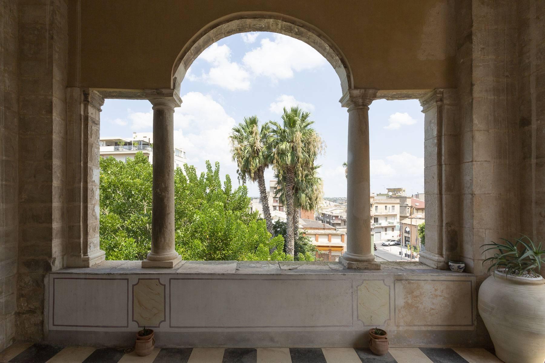 Das aragonesische Schloss in Comiso - 10