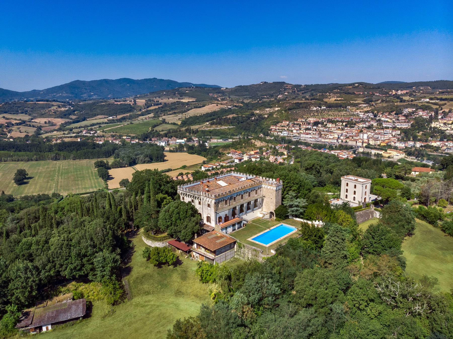 Luxurious Castle for Sale on the Florentine Hills - 29