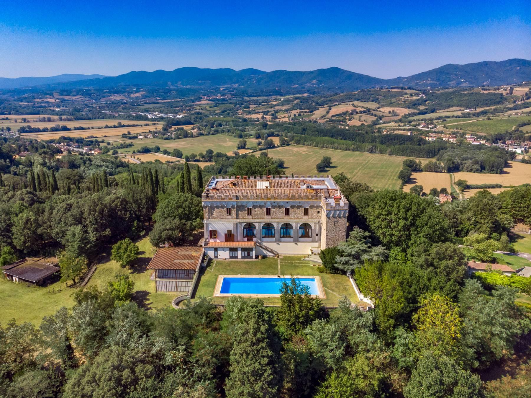 Luxurious Castle for Sale on the Florentine Hills - 28