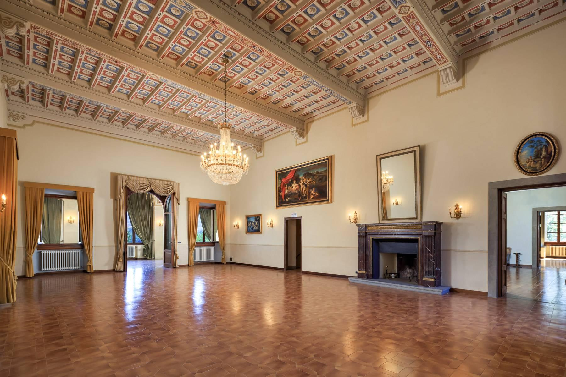 Luxurious Castle for Sale on the Florentine Hills - 5