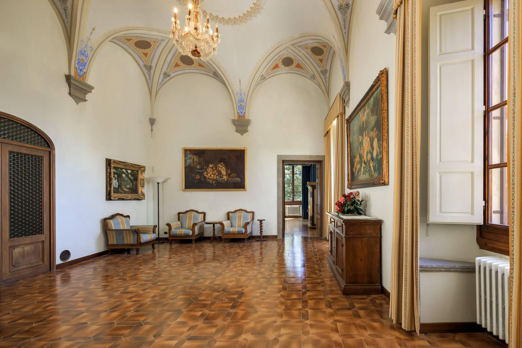 Luxurious Castle for Sale on the Florentine Hills - 11