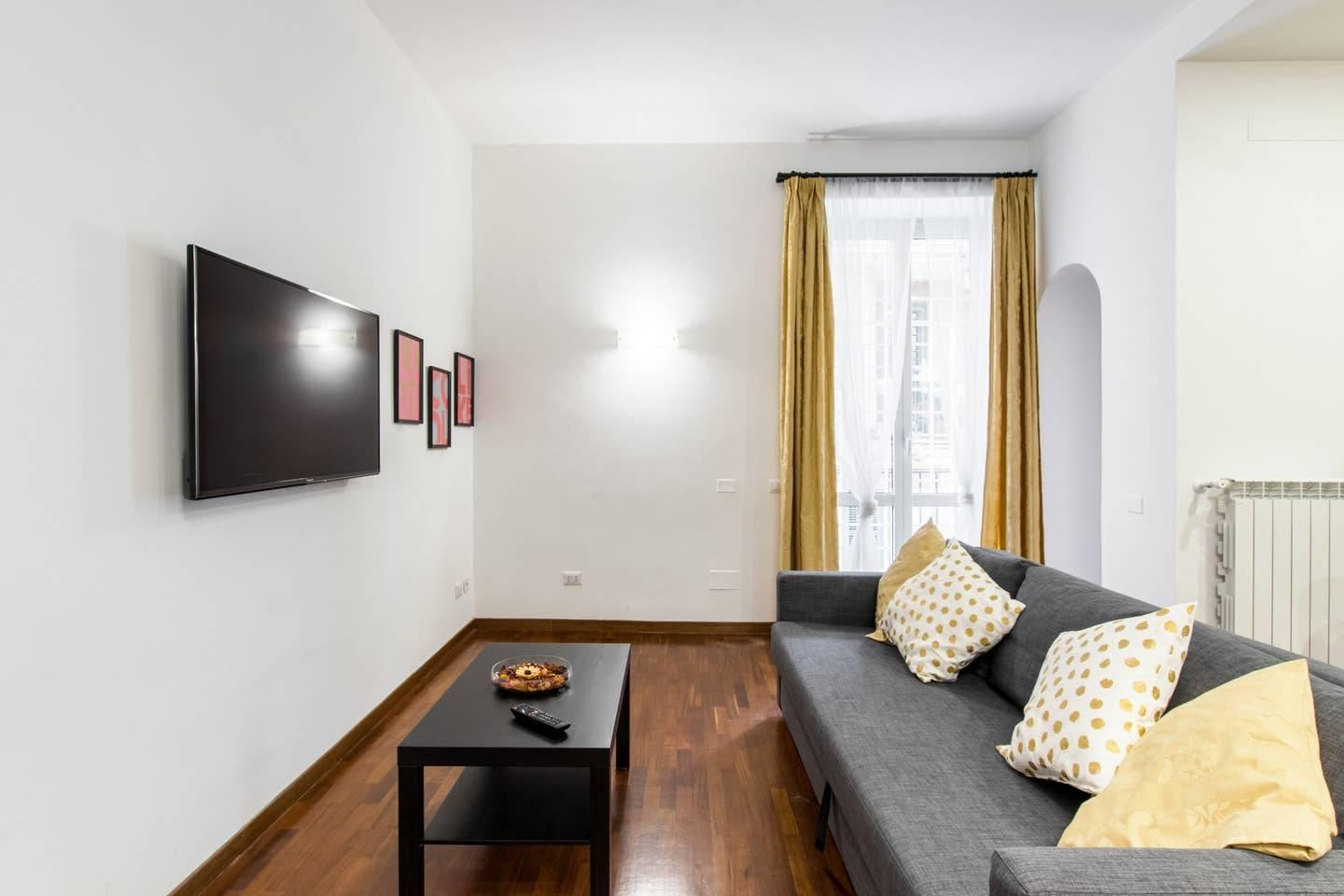 Bright apartment near the Vatican Walls - 1