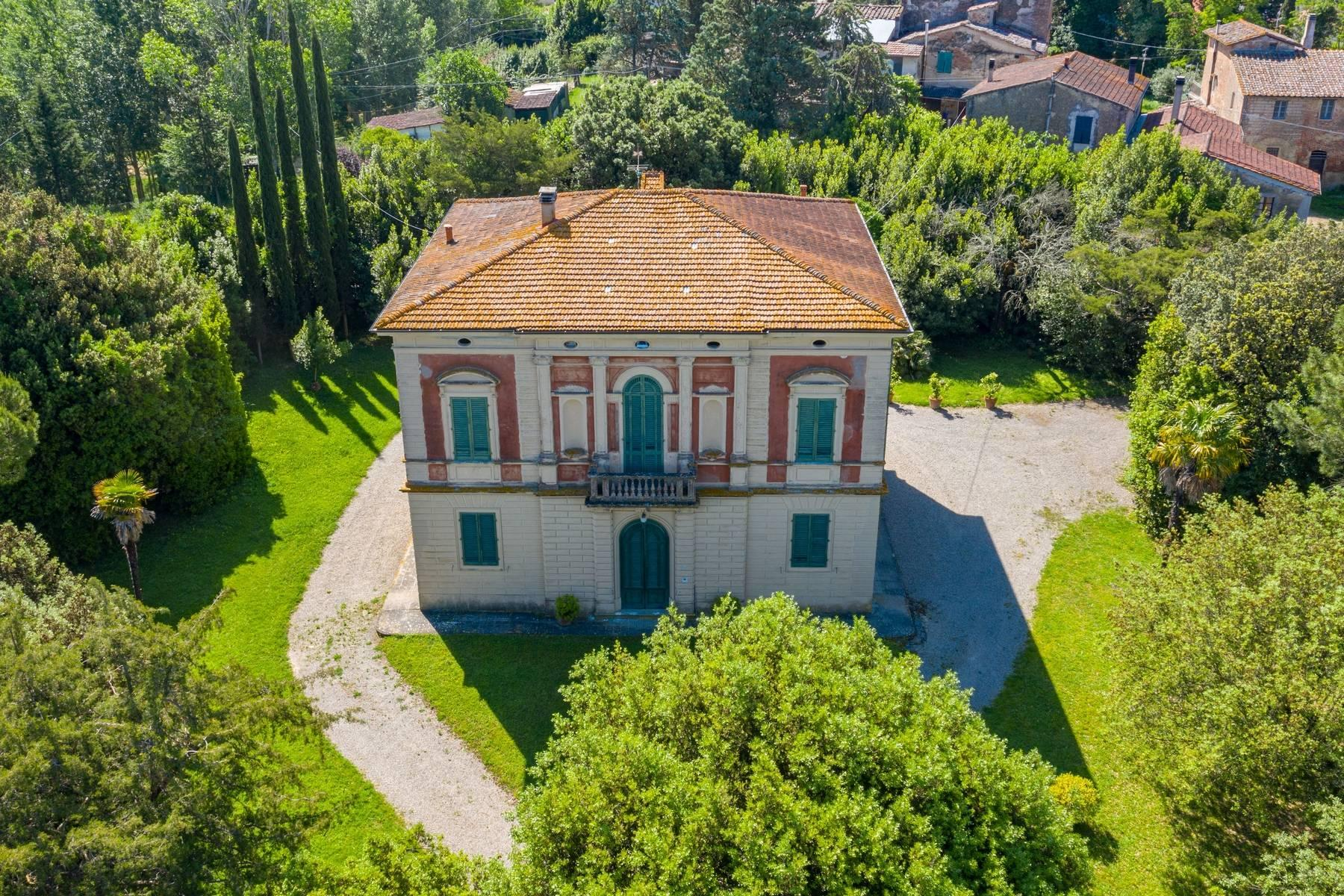 Elegant Historic Villa  in 23 Hectare Estate in the Province of Pisa. - 1