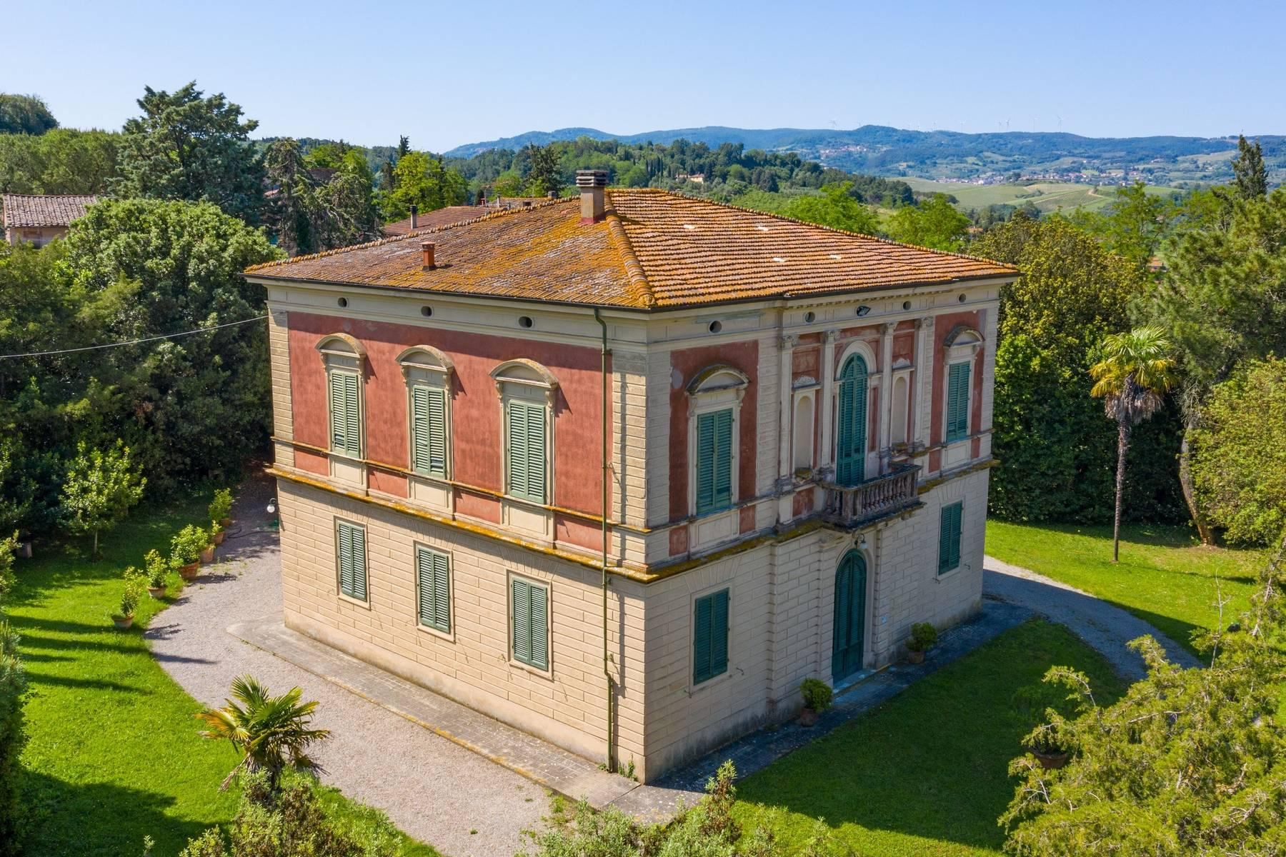 Elegant Historic Villa  in 23 Hectare Estate in the Province of Pisa. - 2