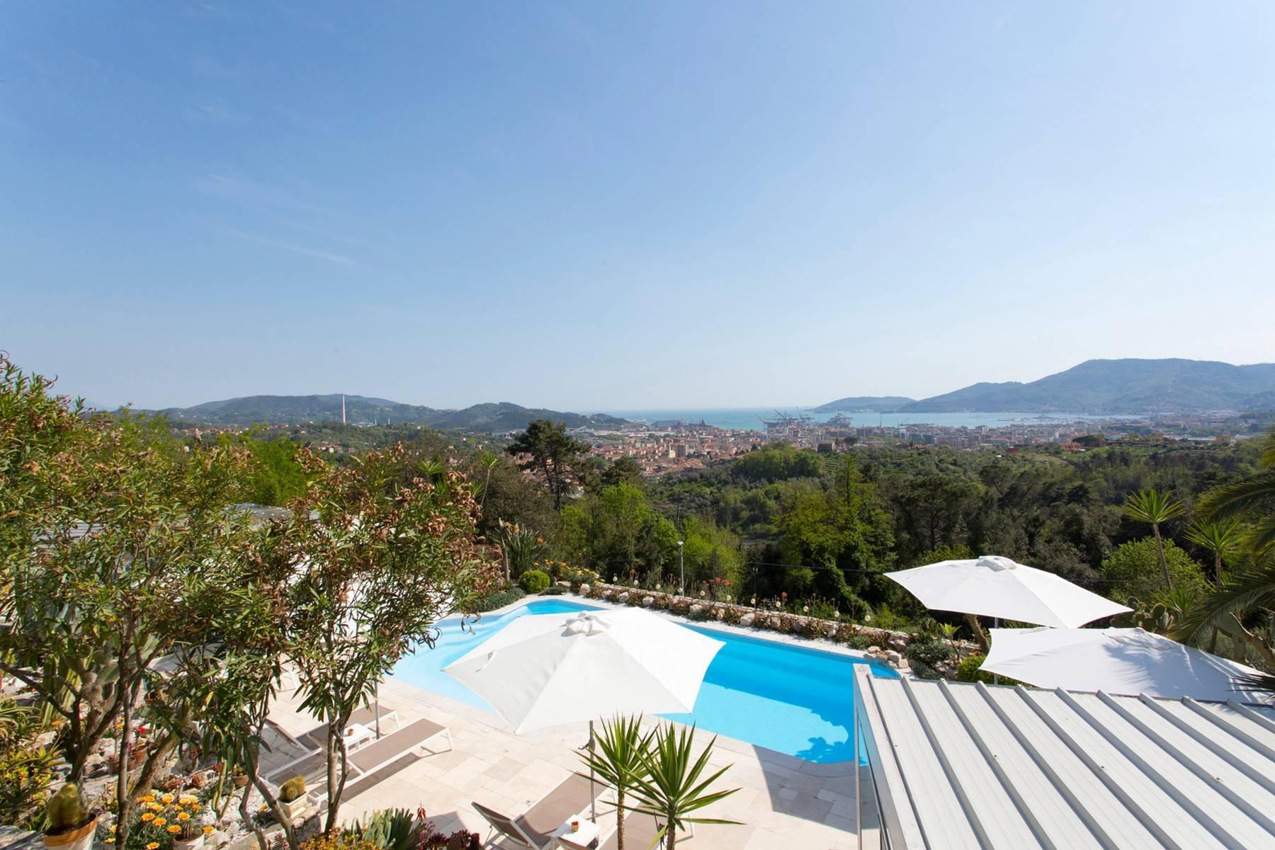 Wunderschöne Villa mit Blick auf die Bucht von La Spezia - 23