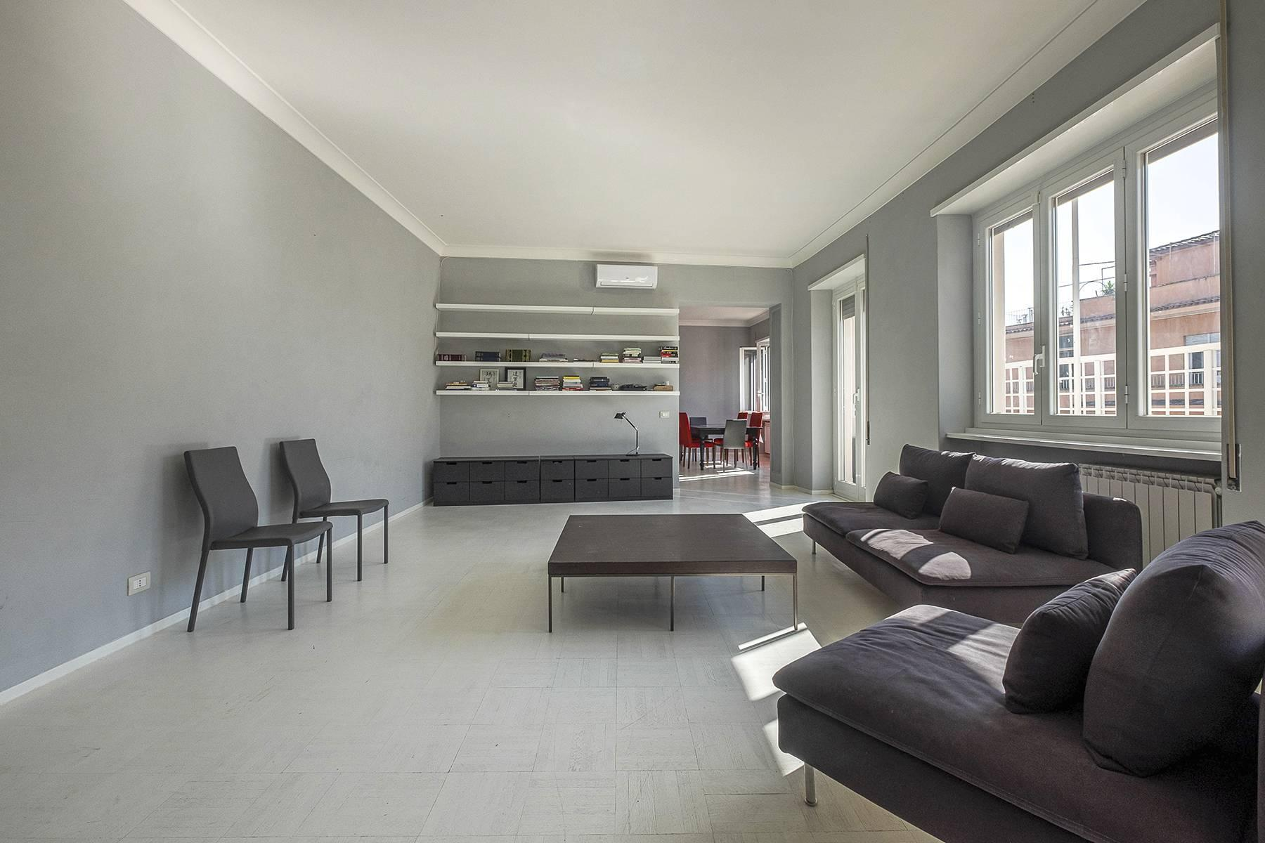 Refined and bright apartment in Parioli District - 5