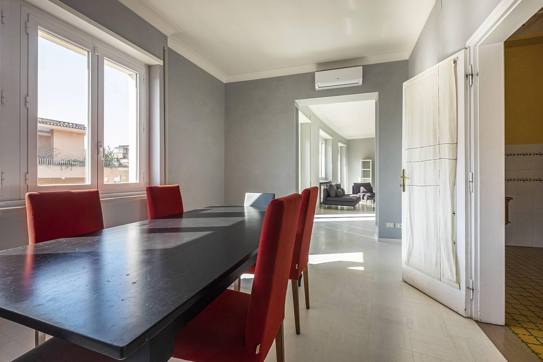 Refined and bright apartment in Parioli District - 17