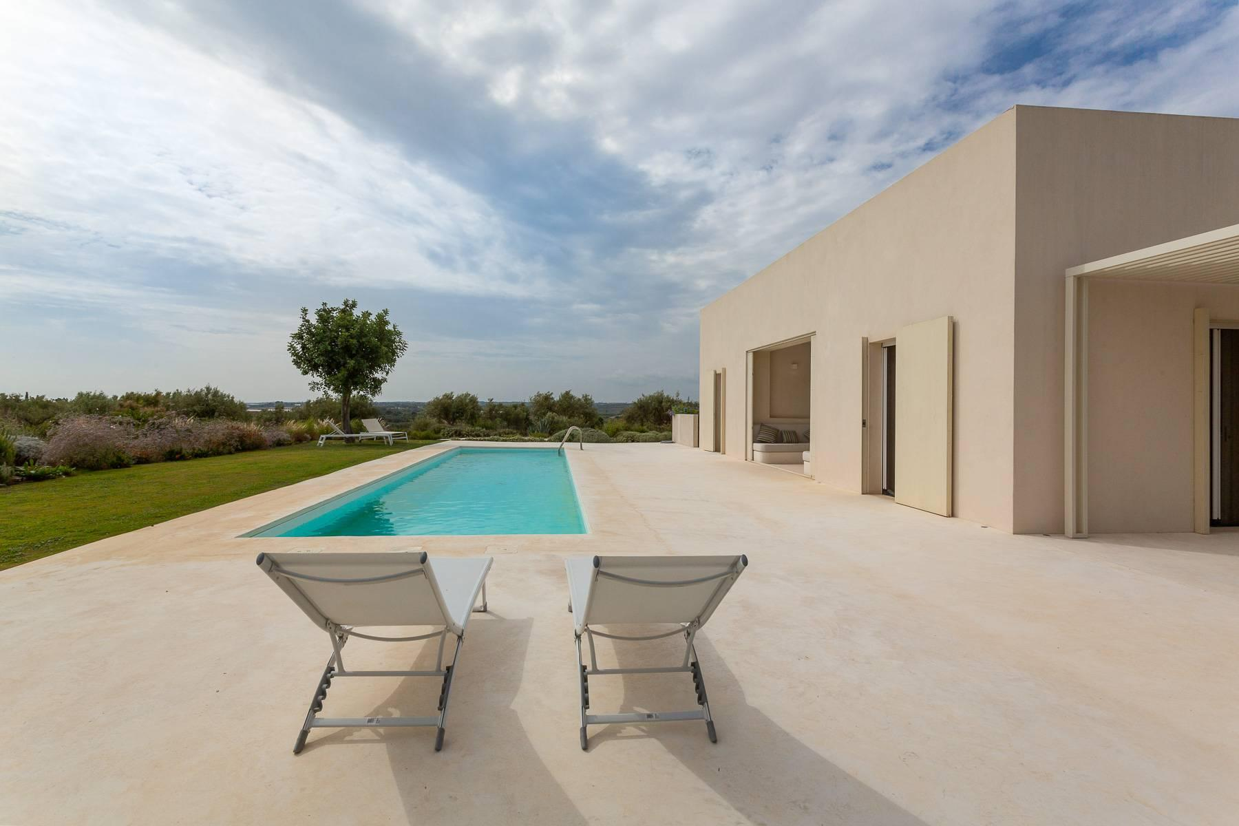 Modern villa with swimming pool overlooking the Vendicari natural Reserve - 10