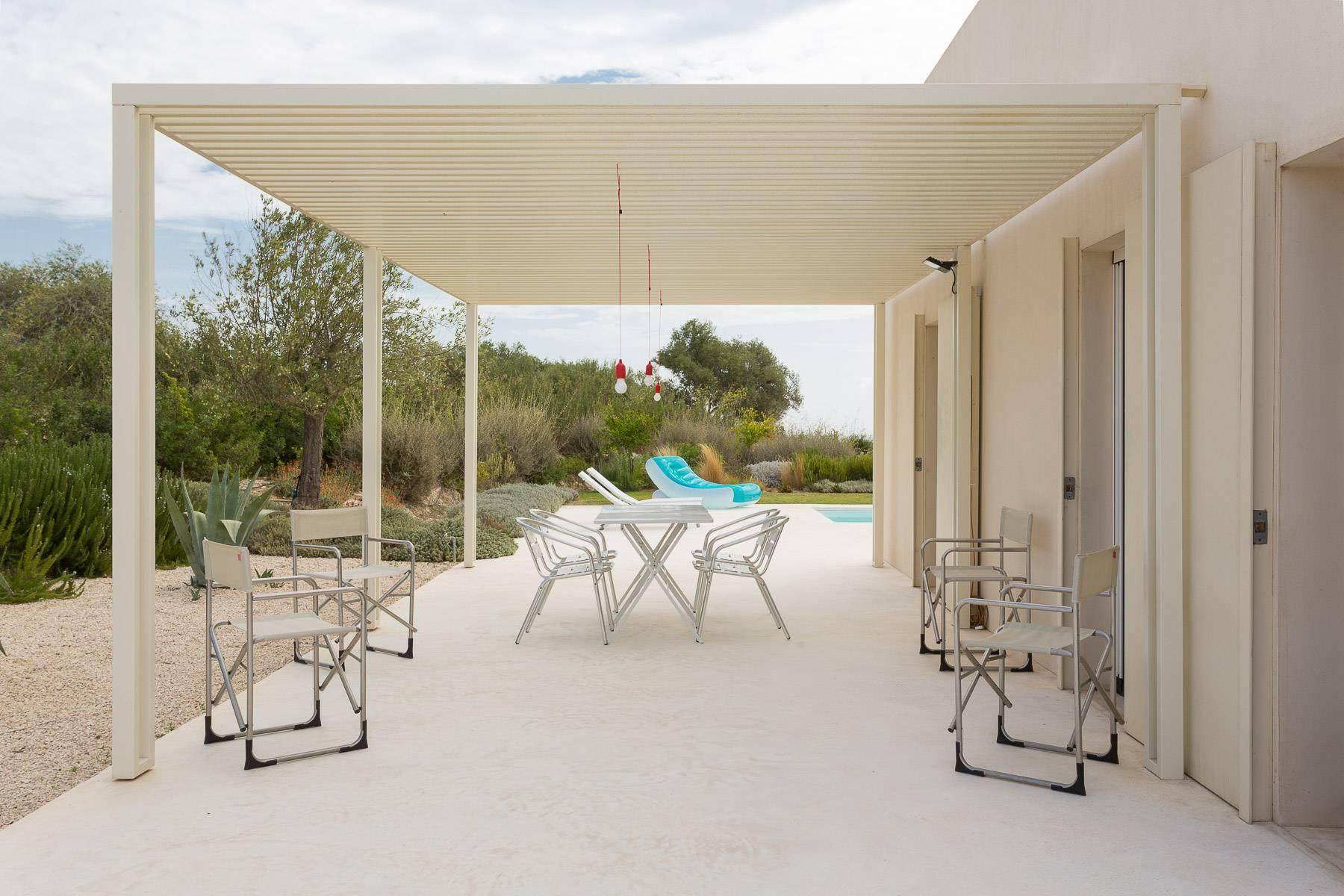 Moderne Villa mit Swimmingpool und Blick auf das Vendicari-Reservat - 4