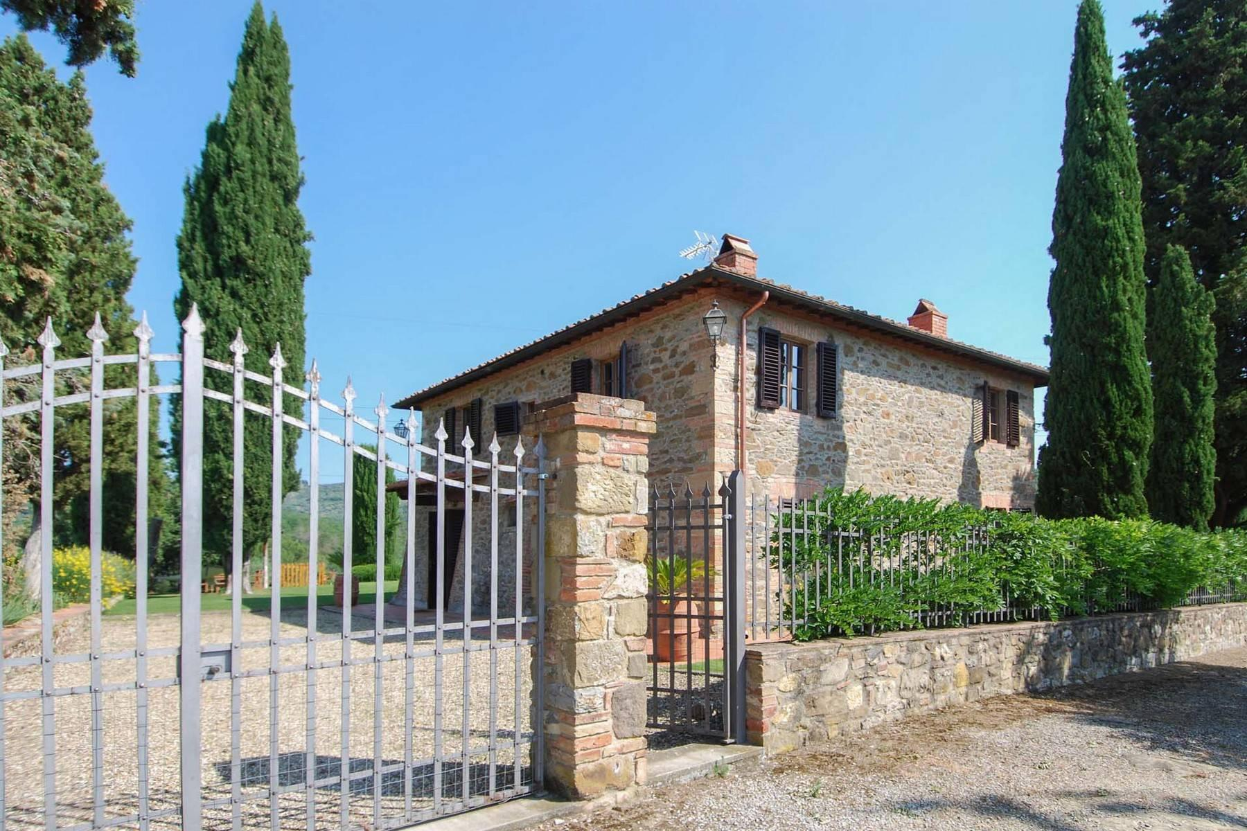 House in the Tuscan Hills for Sale - 18