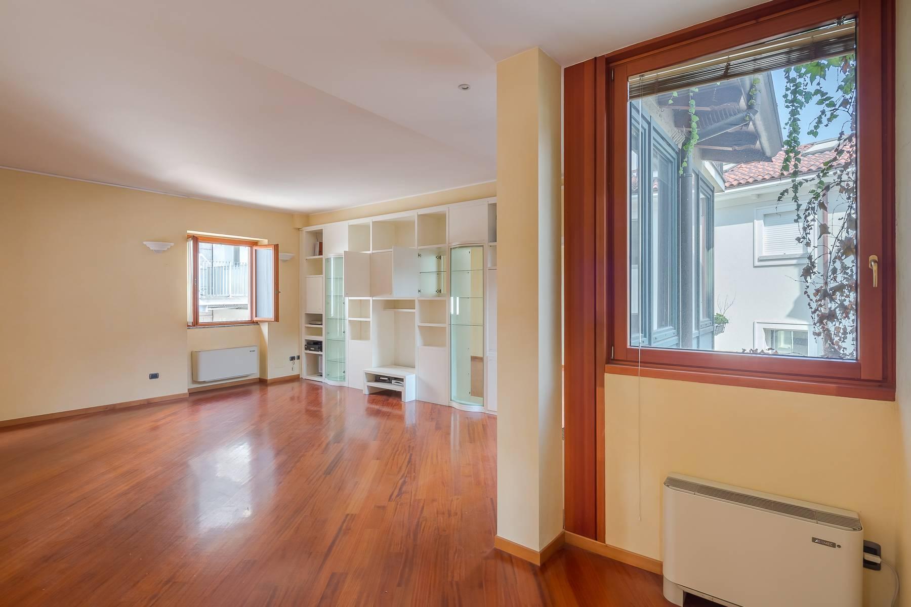 Очаровательный апартамент с террасой в нескольких шагах от Дуомо - 10