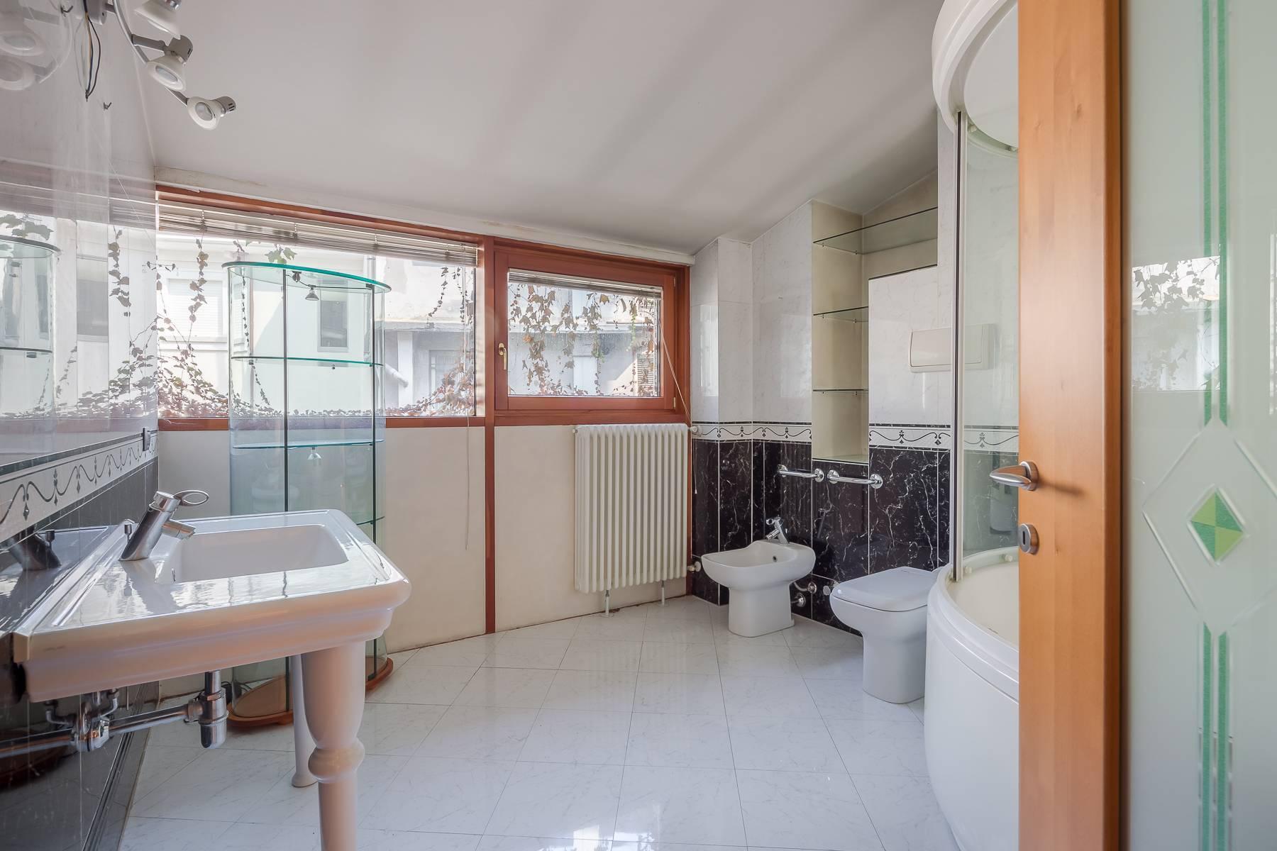 Очаровательный апартамент с террасой в нескольких шагах от Дуомо - 9