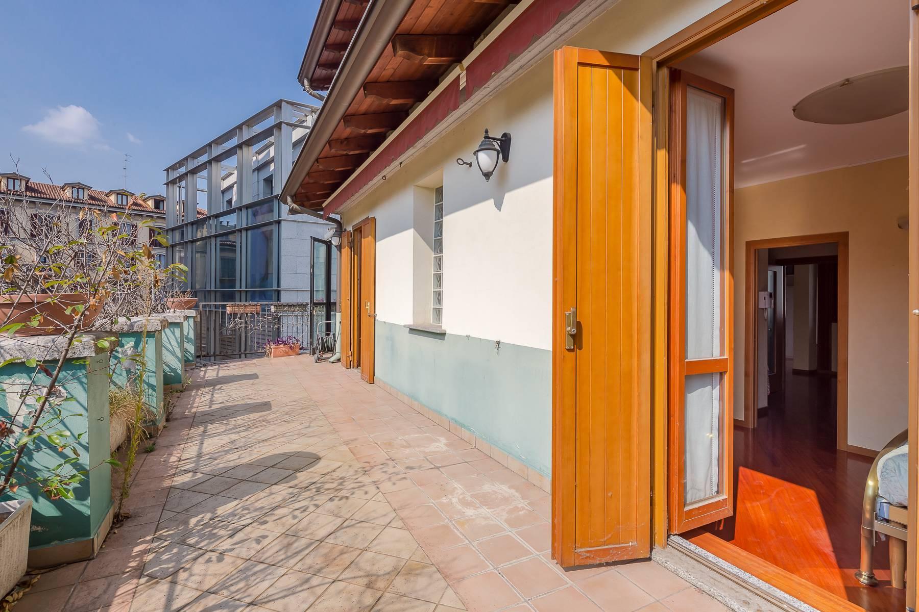 Очаровательный апартамент с террасой в нескольких шагах от Дуомо - 1
