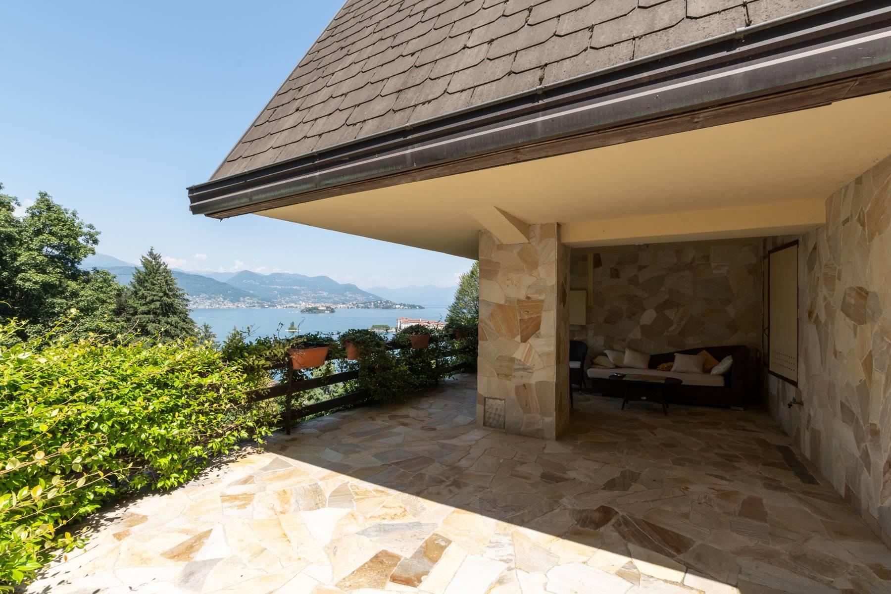 1960s style villa with breathtaking view of the Borromean Islands - 11