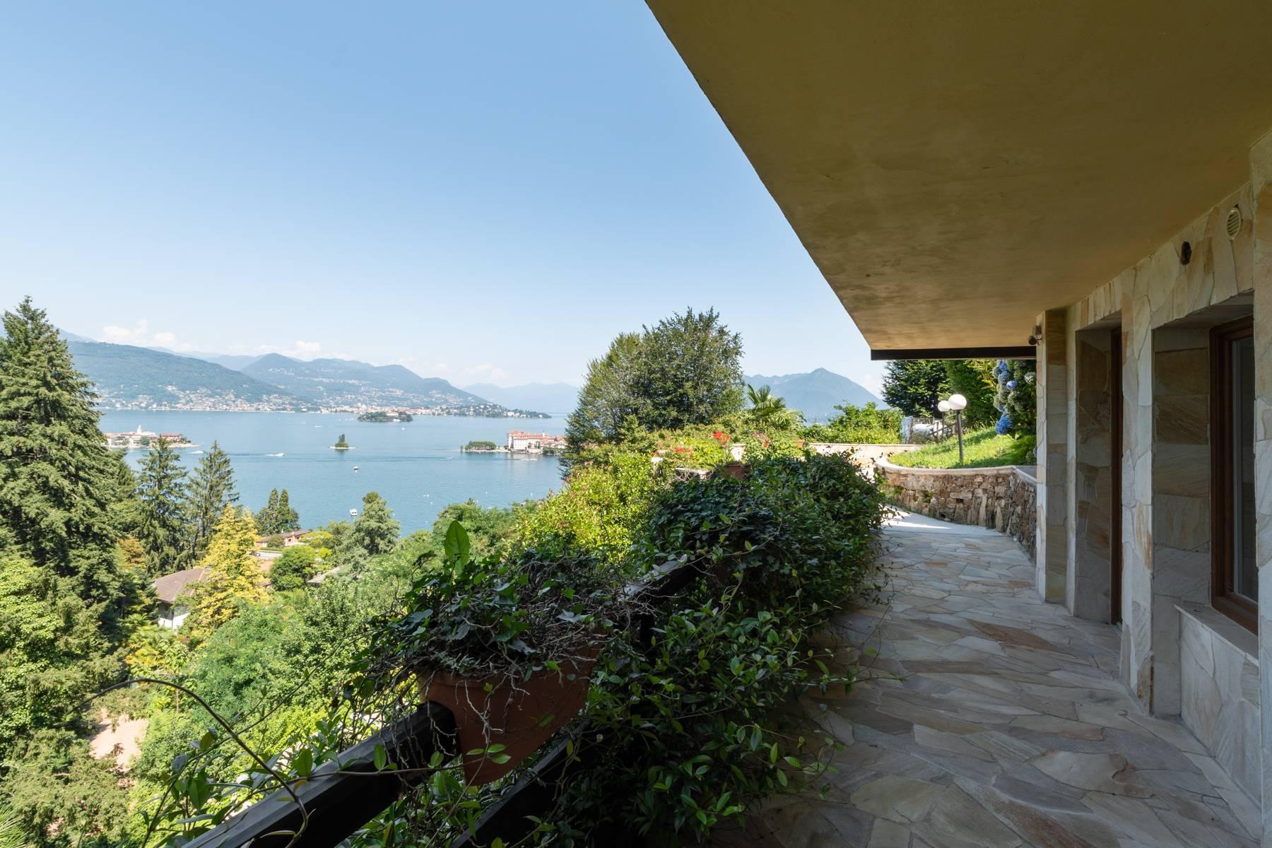 Villa style années '60 avec vue imprenable sur les îles Borromées - 6