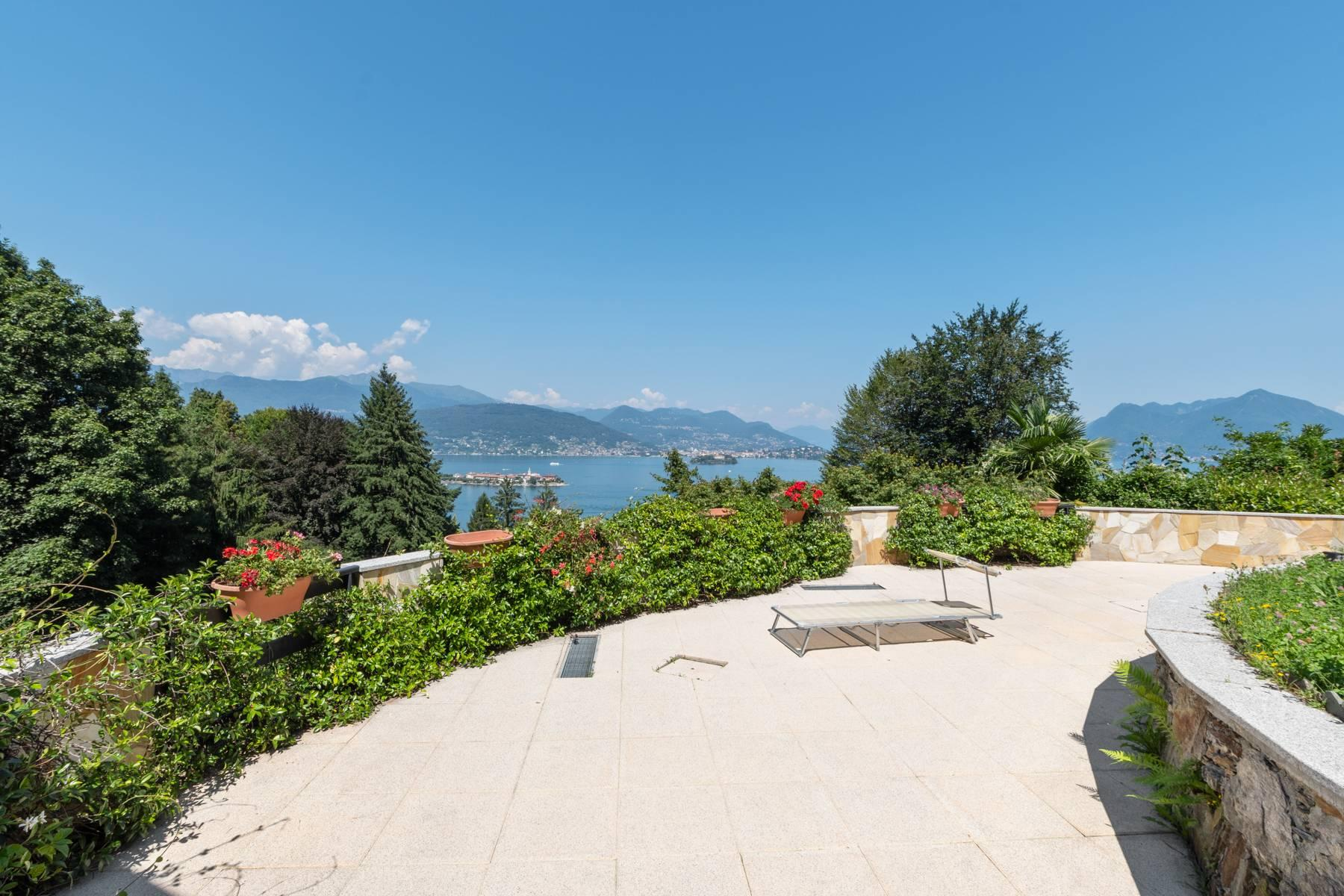 1960s style villa with breathtaking view of the Borromean Islands - 12