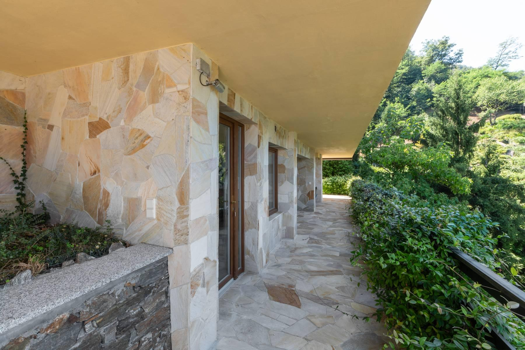 1960s style villa with breathtaking view of the Borromean Islands - 27