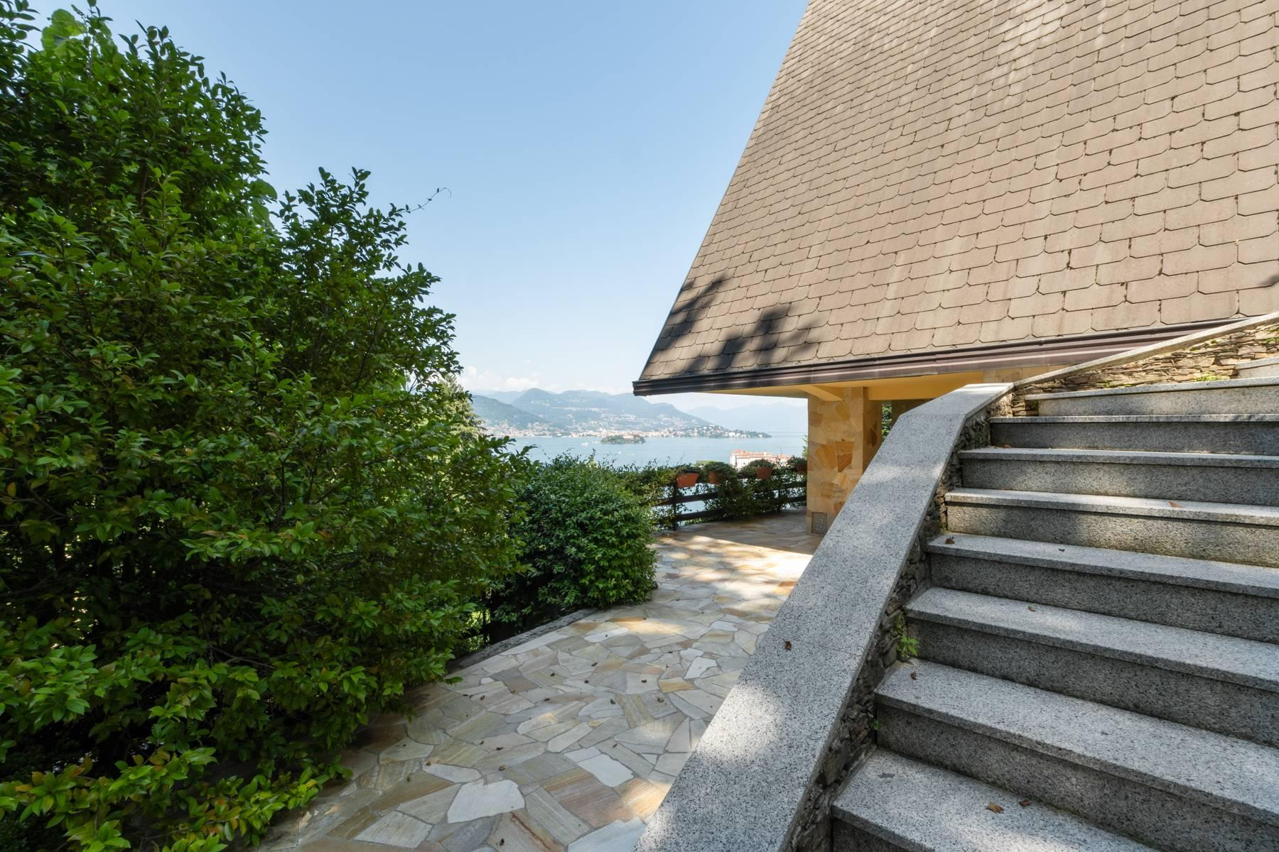 1960s style villa with breathtaking view of the Borromean Islands - 34