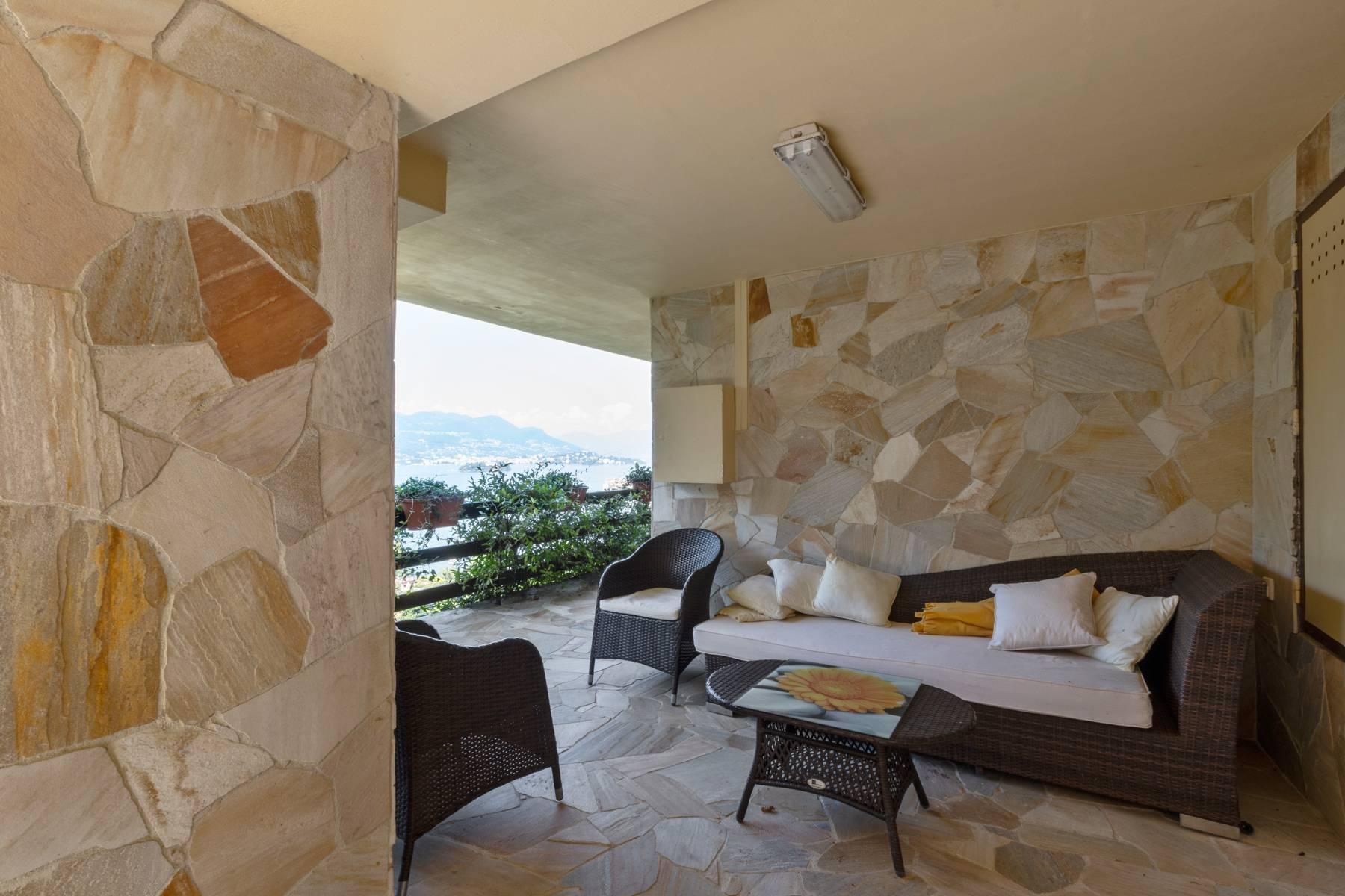 Villa style années '60 avec vue imprenable sur les îles Borromées - 5