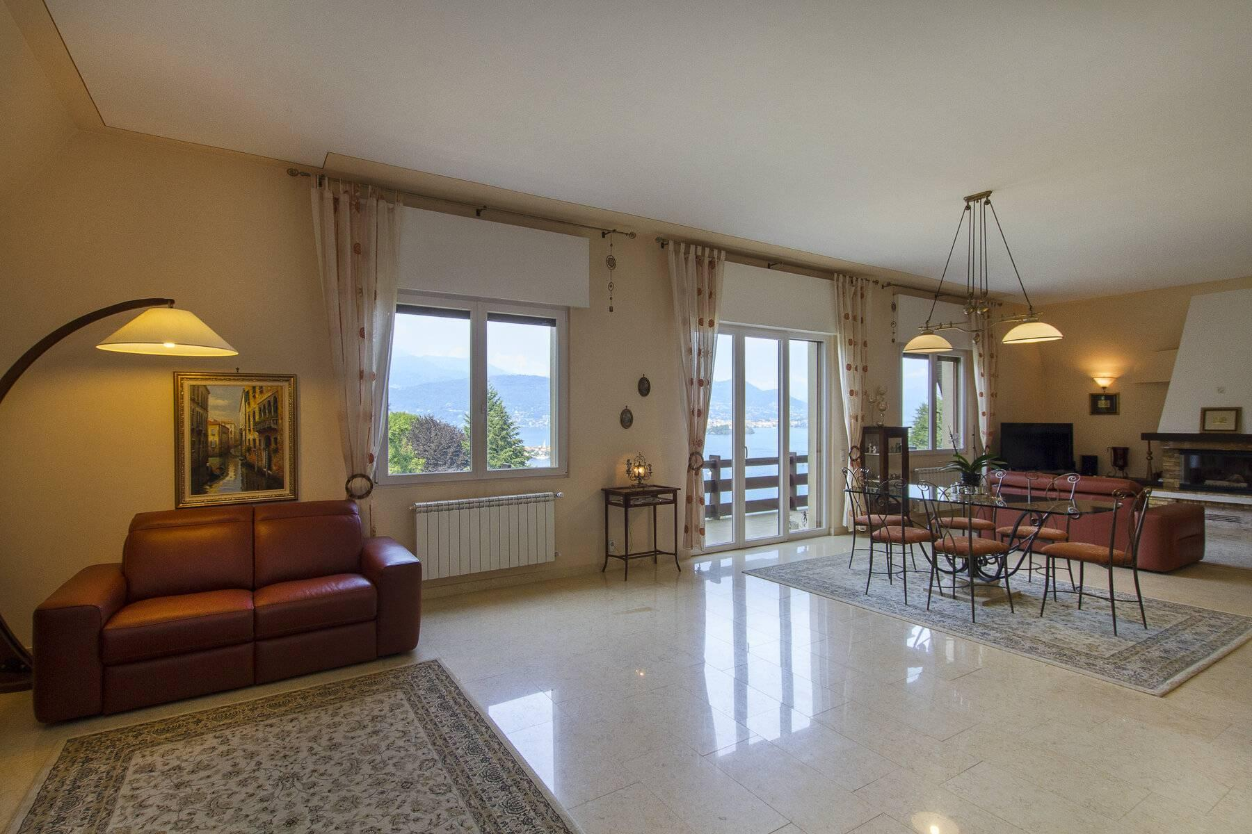 1960s style villa with breathtaking view of the Borromean Islands - 17
