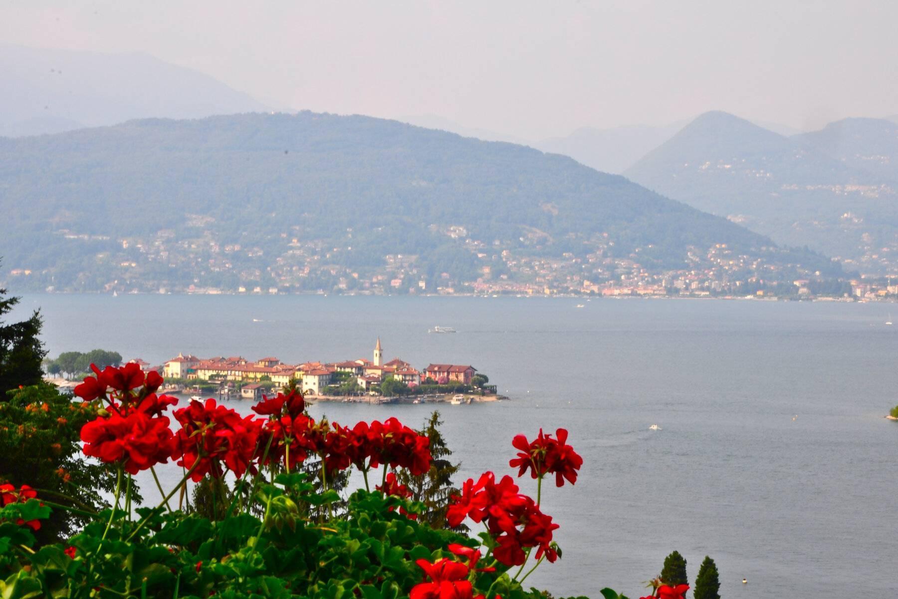 Villa style années '60 avec vue imprenable sur les îles Borromées - 2