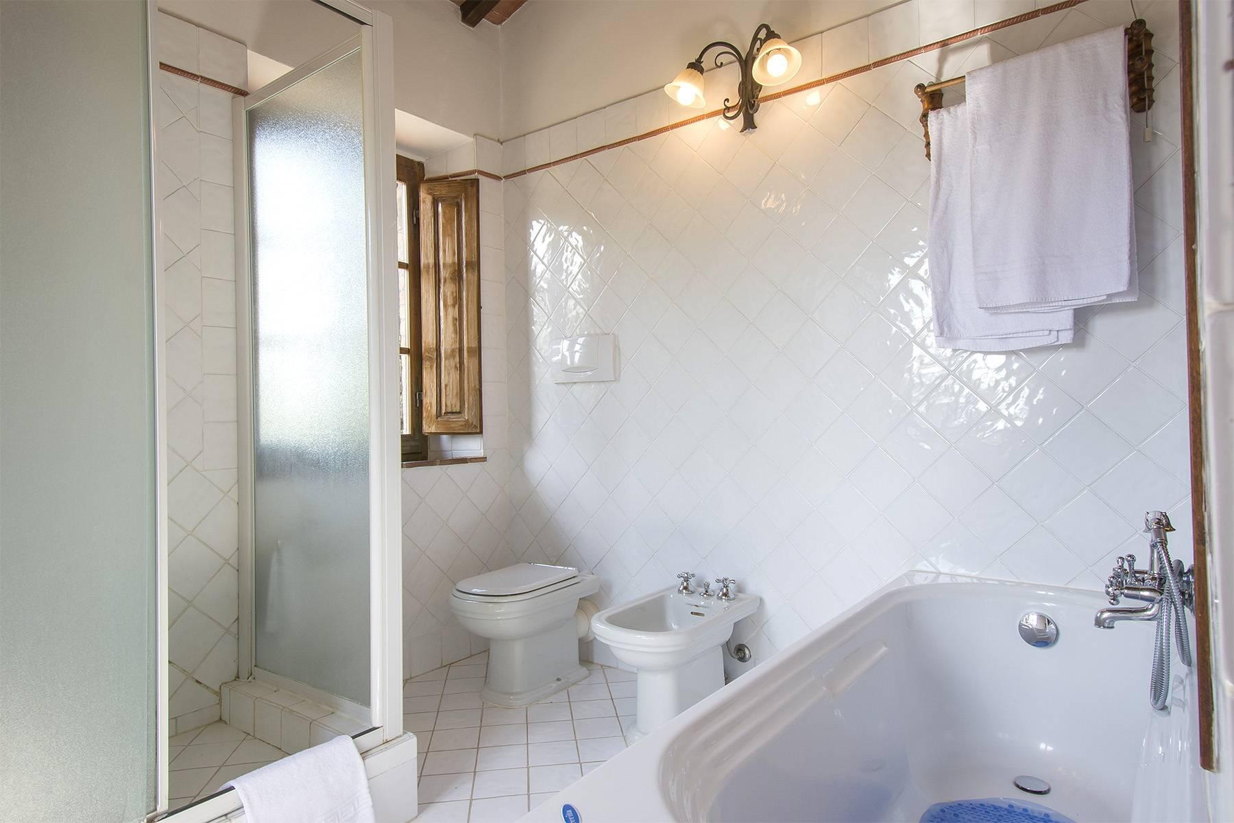 House in the Tuscan Hills for Sale - 11