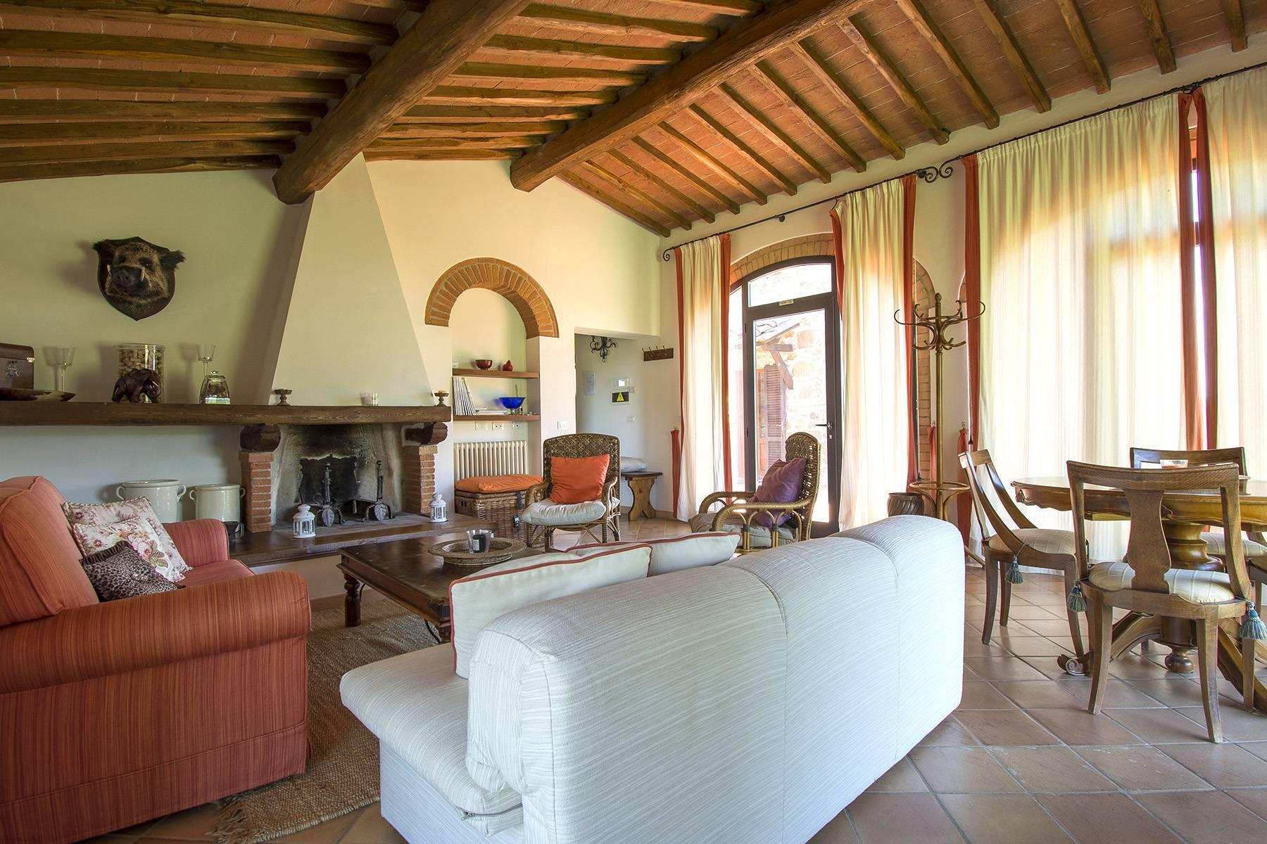 House in the Tuscan Hills for Sale - 13
