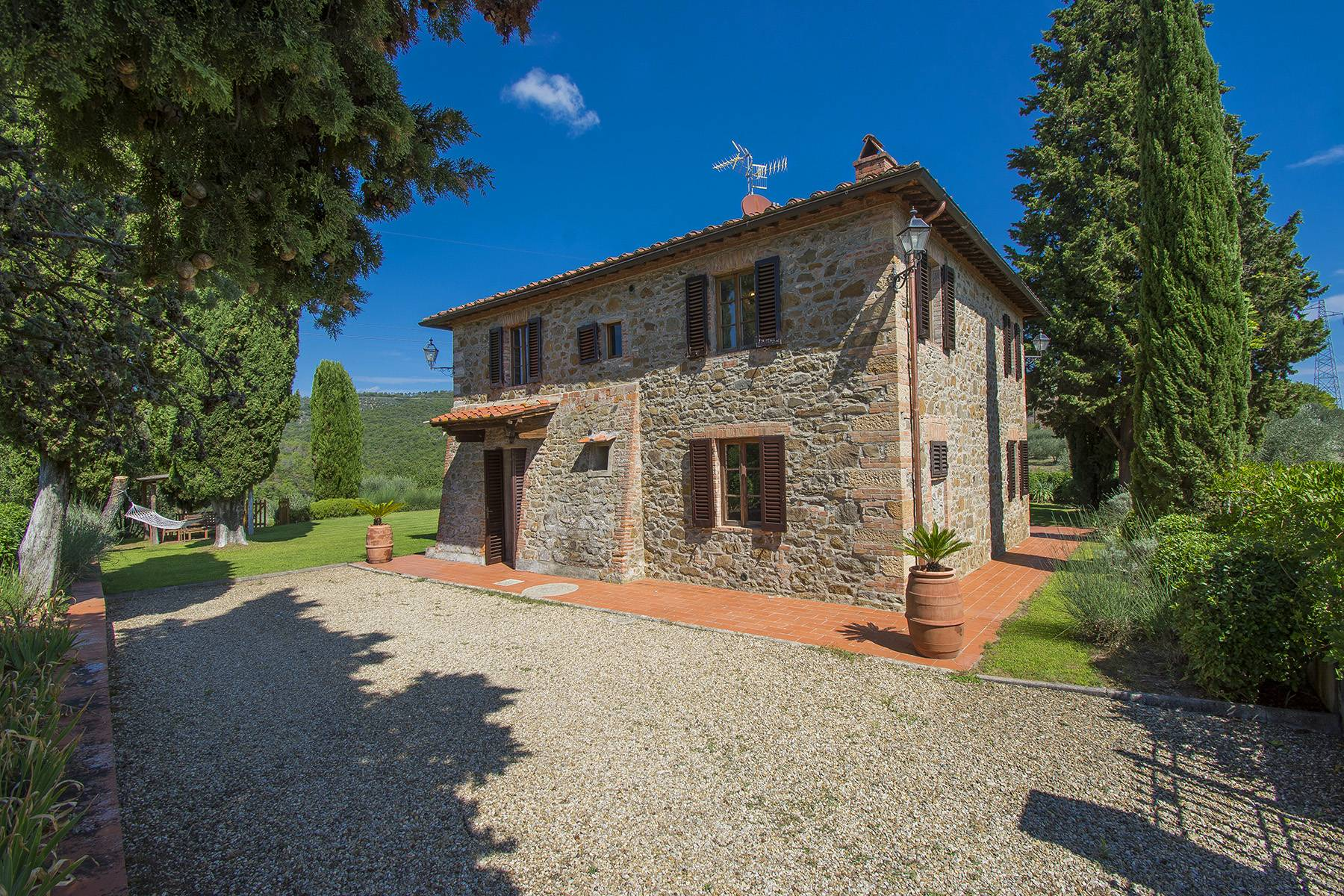 Rustic House in the Tuscan Hills for Sale - 17