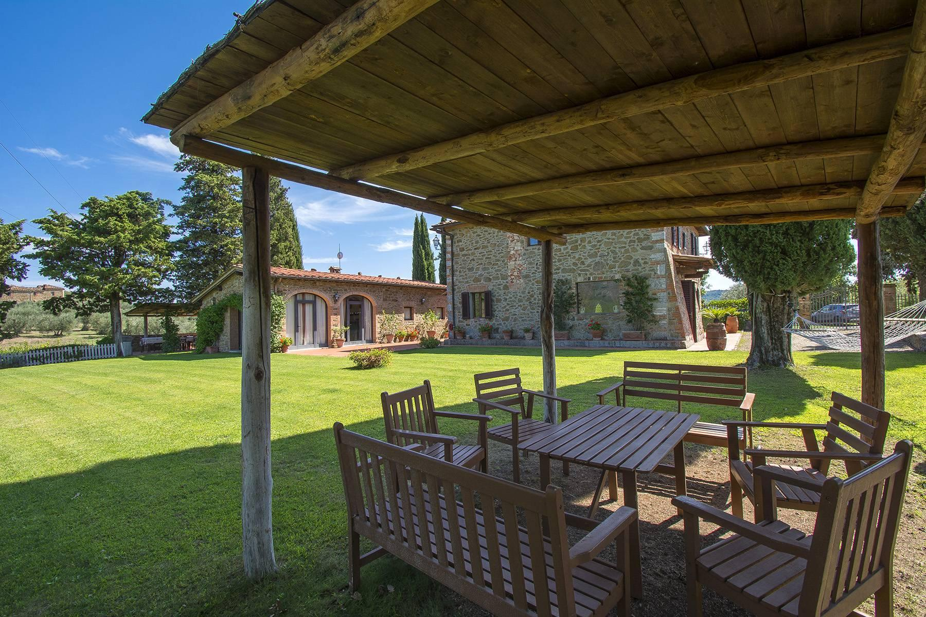 House in the Tuscan Hills for Sale - 24