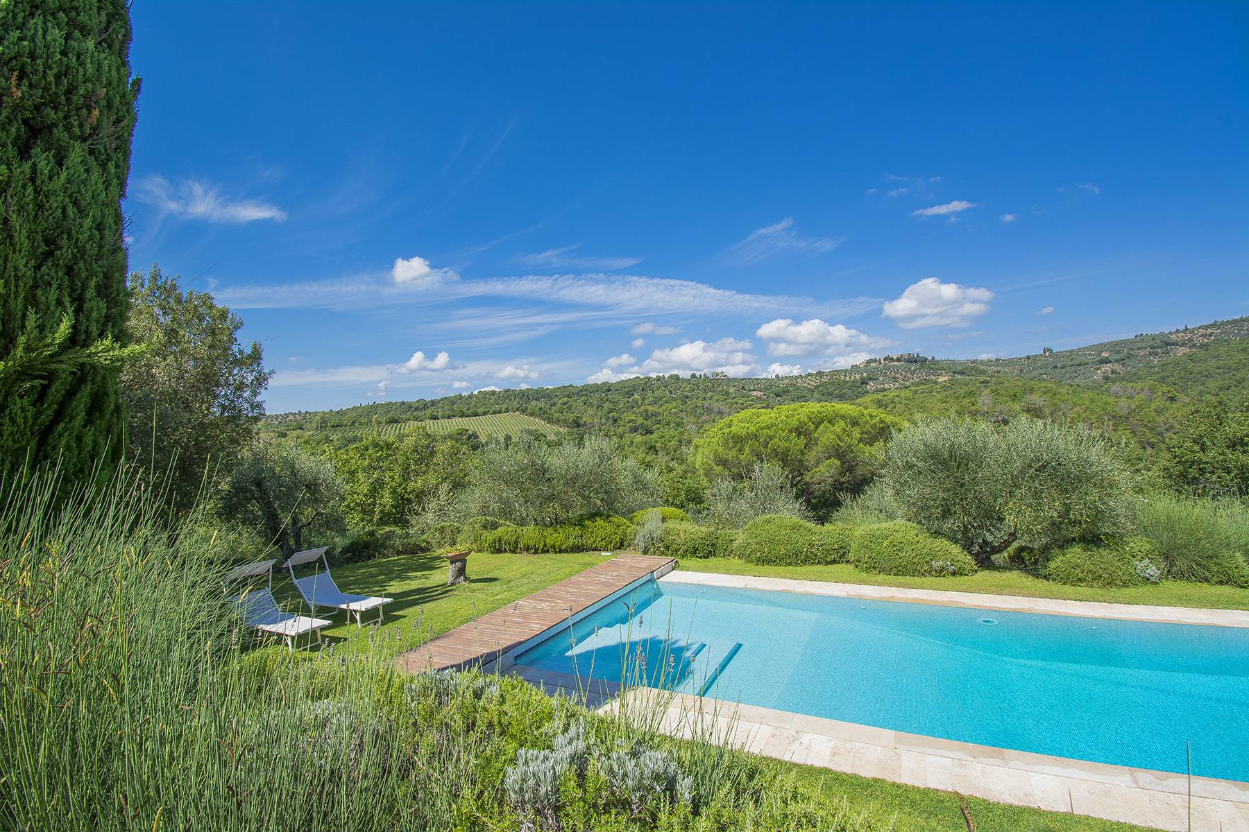 House in the Tuscan Hills for Sale - 20