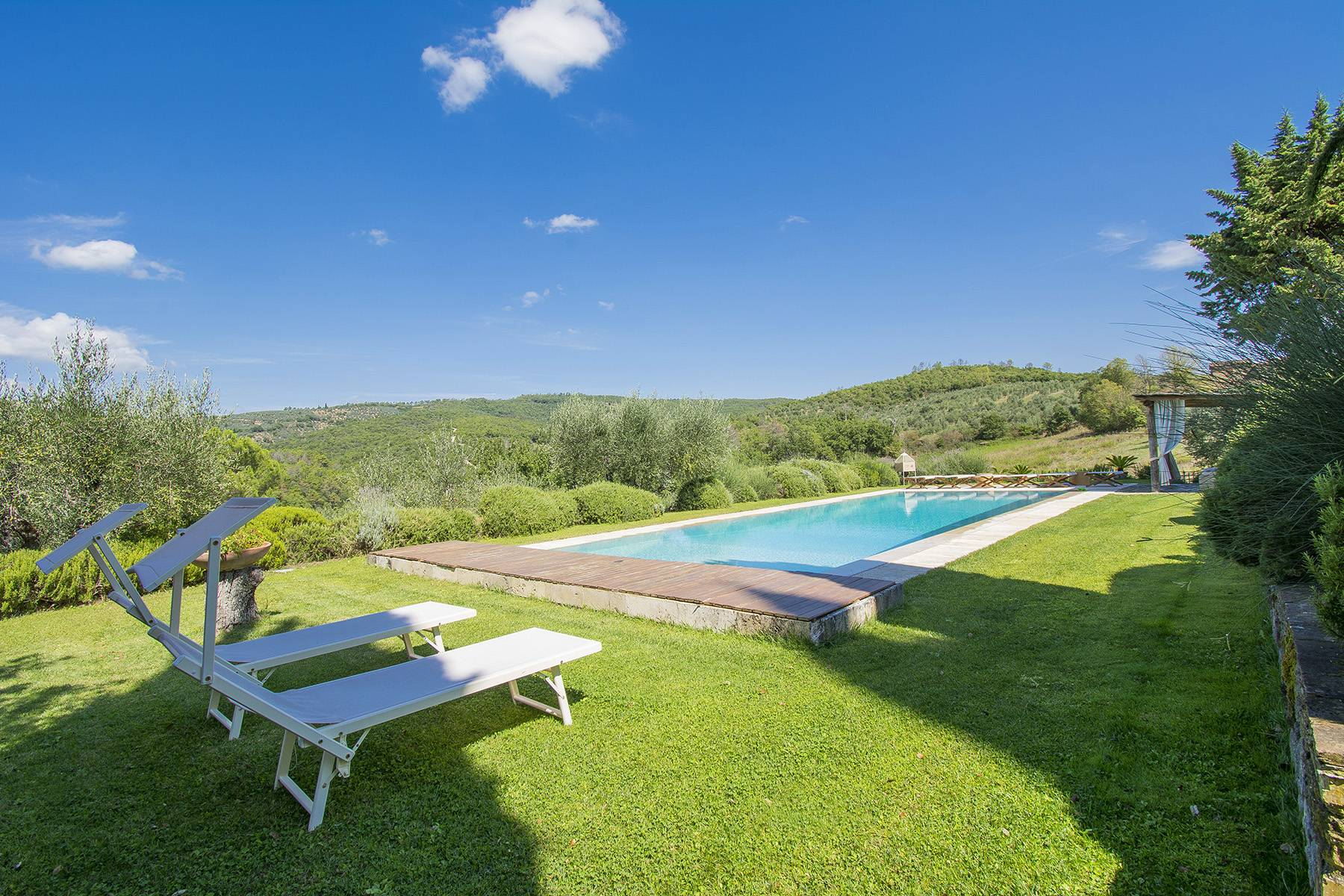 House in the Tuscan Hills for Sale - 23
