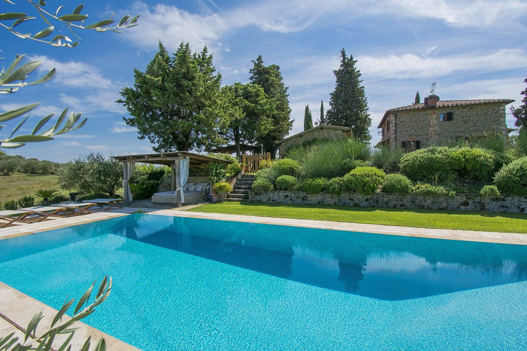 House in the Tuscan Hills for Sale - 3