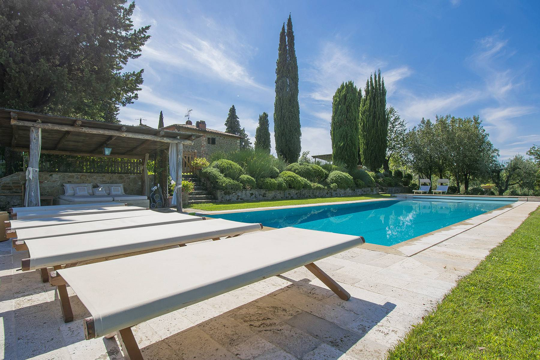 House in the Tuscan Hills for Sale - 28